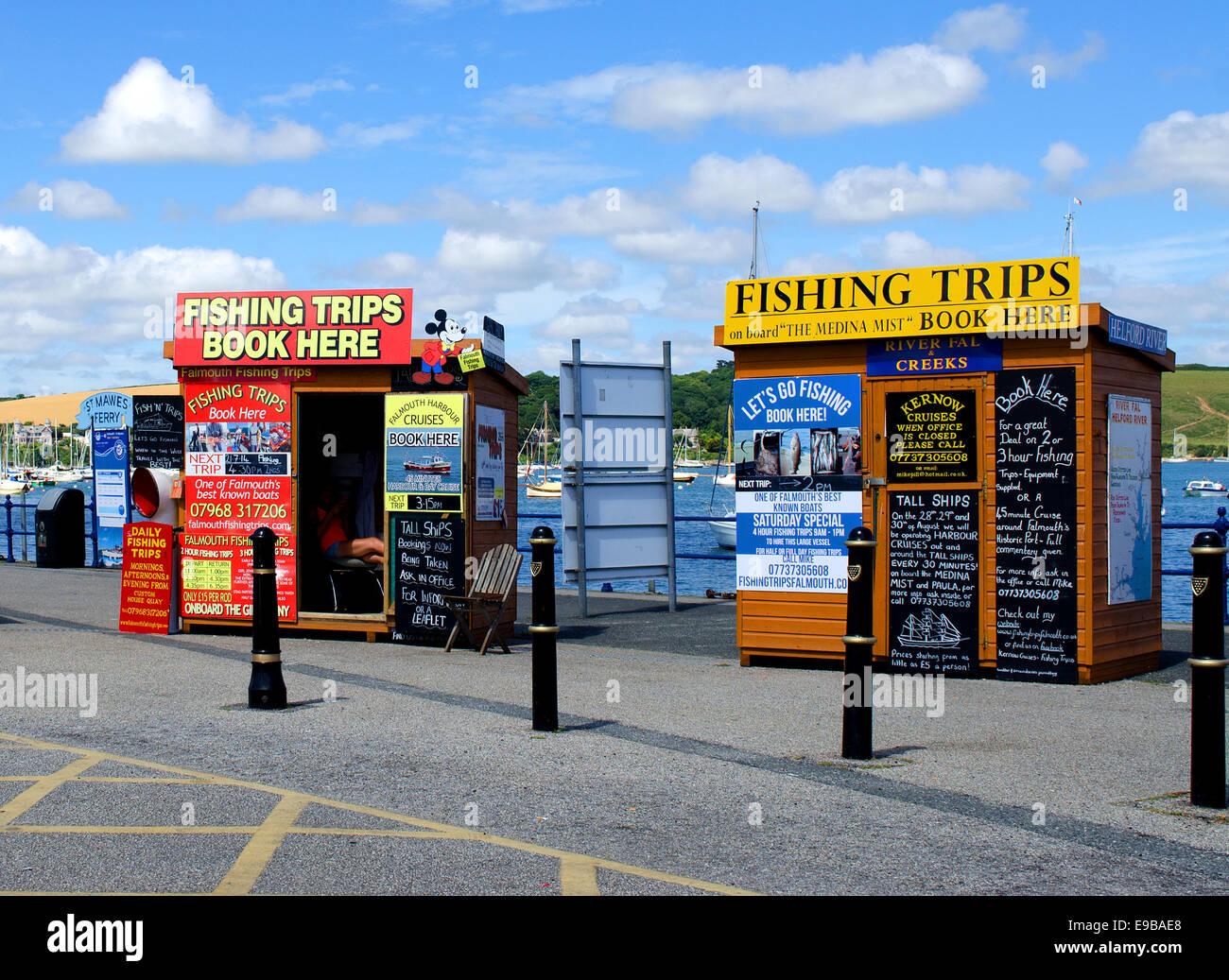 Viaje de pesca reservar cabañas en el Quay en Falmouth en Cornualles, Reino Unido Imagen De Stock
