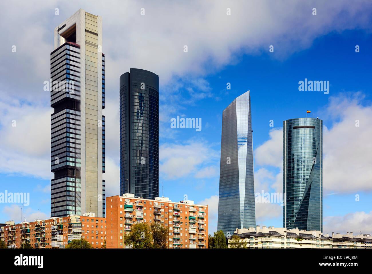 Madrid, España skyline del distrito financiero. Imagen De Stock