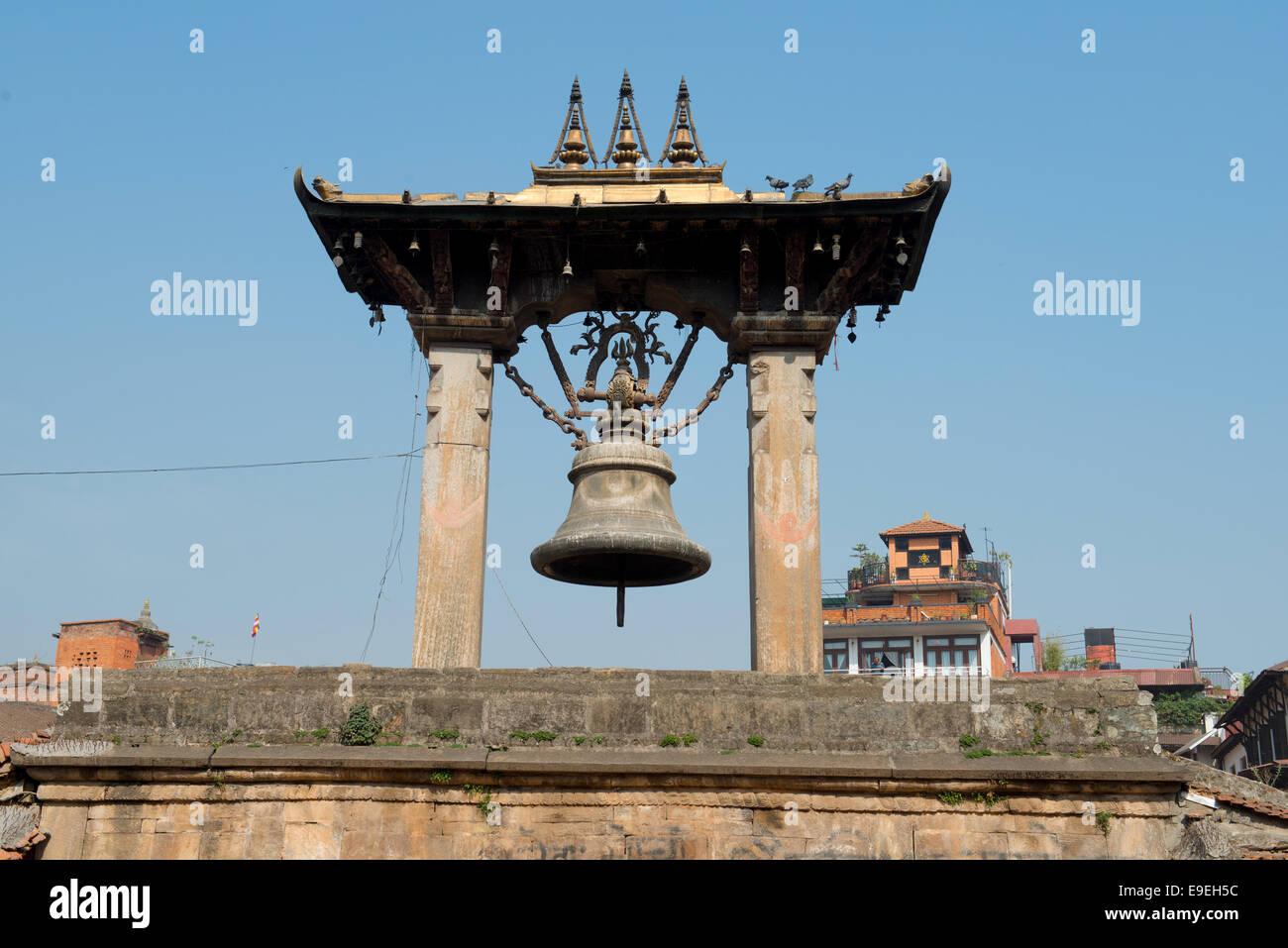 Bell On Taleju Patan Durbar Square, Nepal. Ha sido catalogado por la UNESCO como Patrimonio de la Humanidad Foto de stock