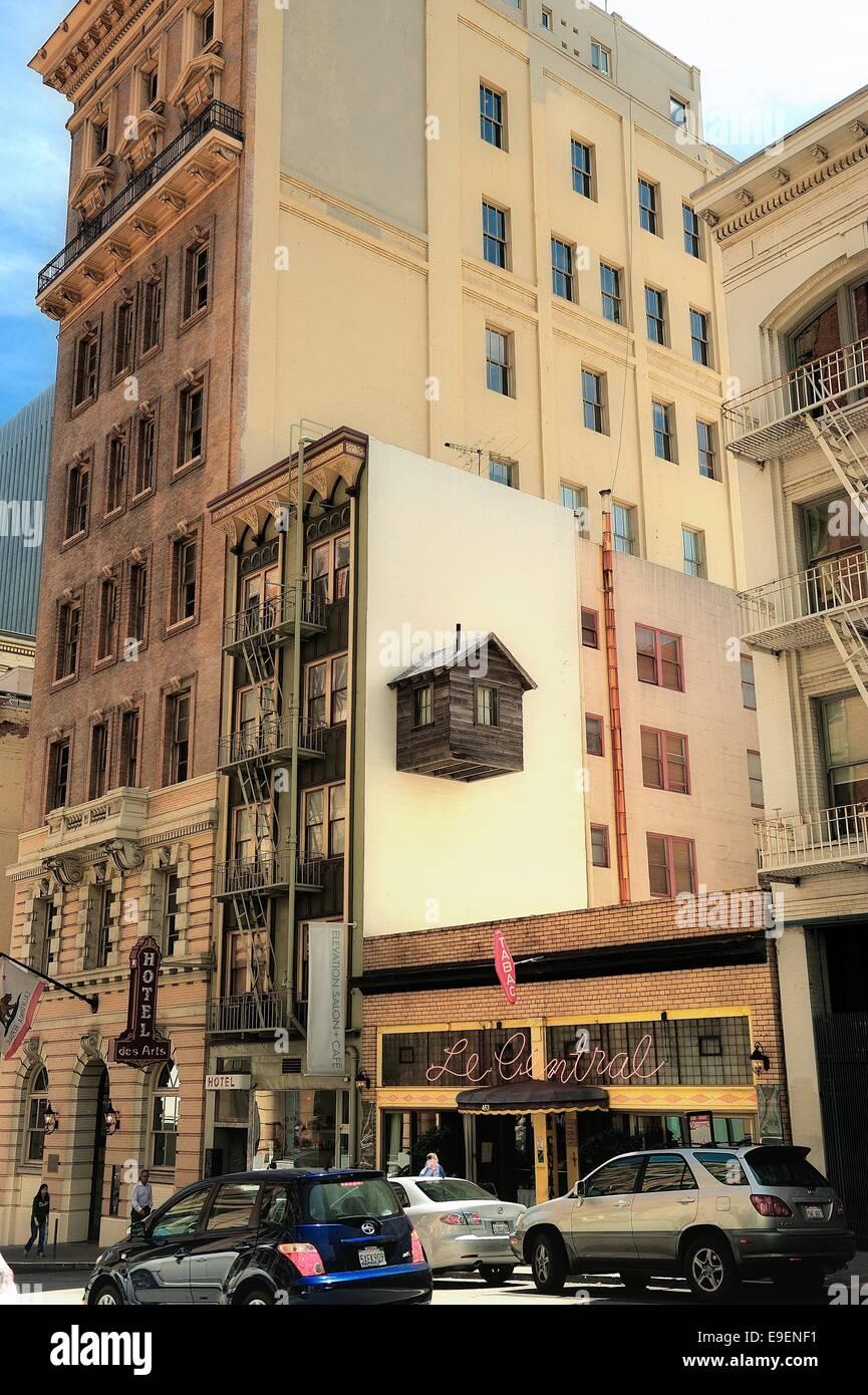 Un edificio singular en el centro de San Francisco en un día soleado Imagen De Stock