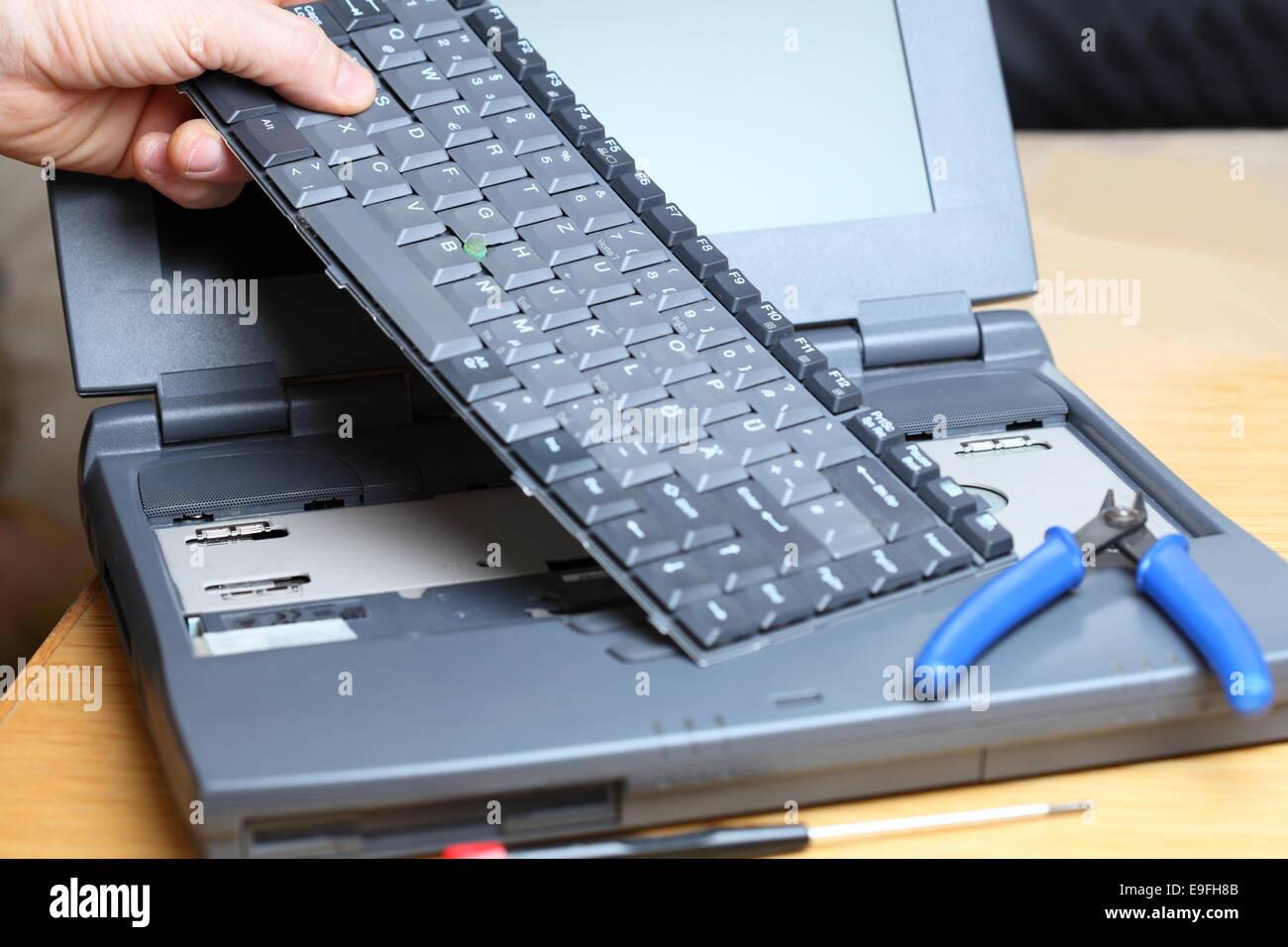 reparación notebook Foto de stock