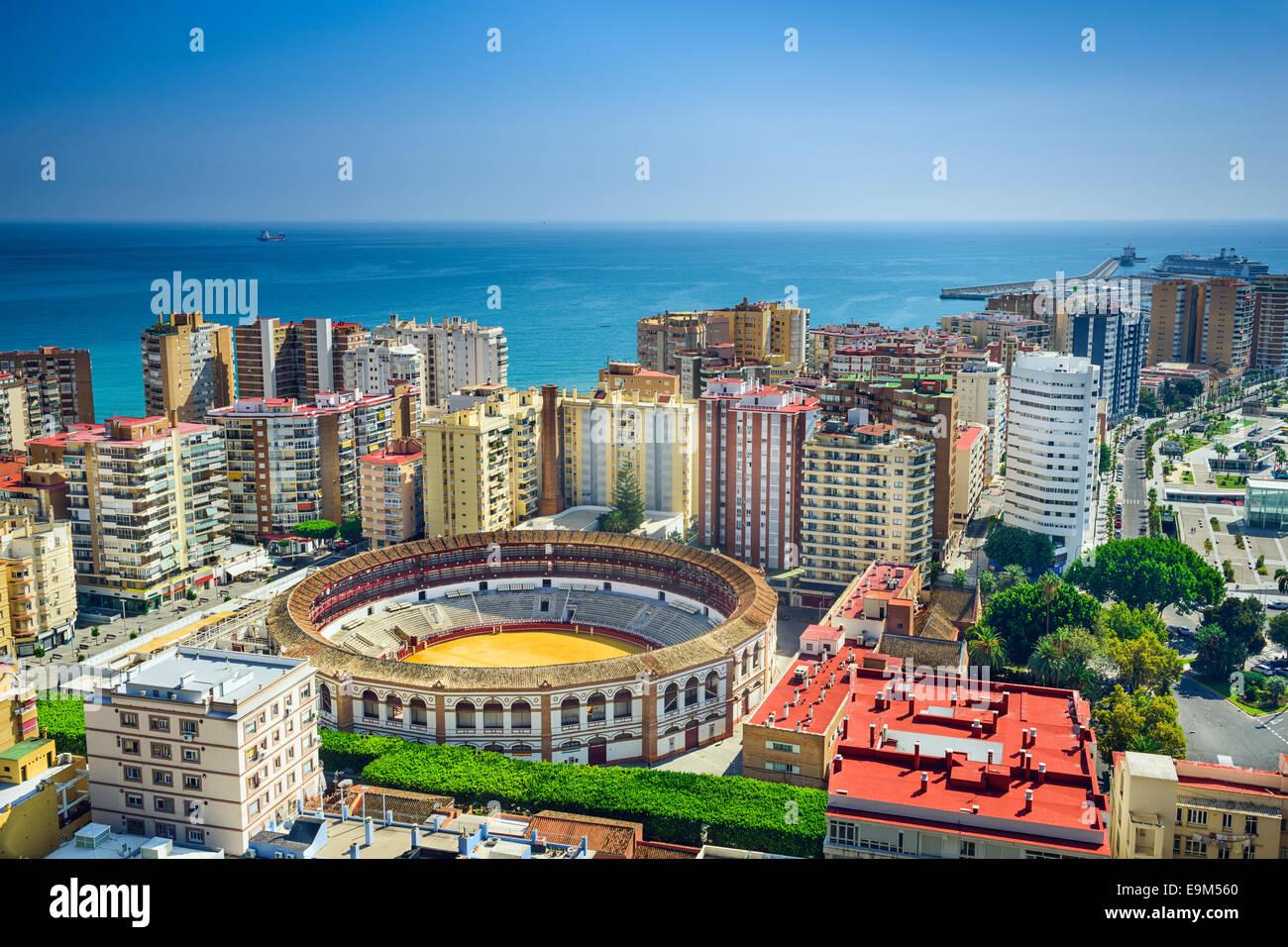 Málaga, España paisaje urbano en la plaza de toros. Imagen De Stock