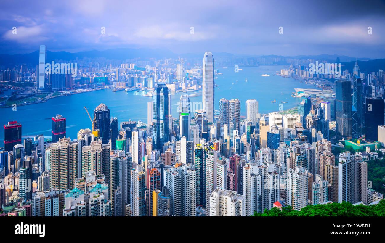 Hong Kong, China el horizonte de la ciudad desde la cima. Imagen De Stock
