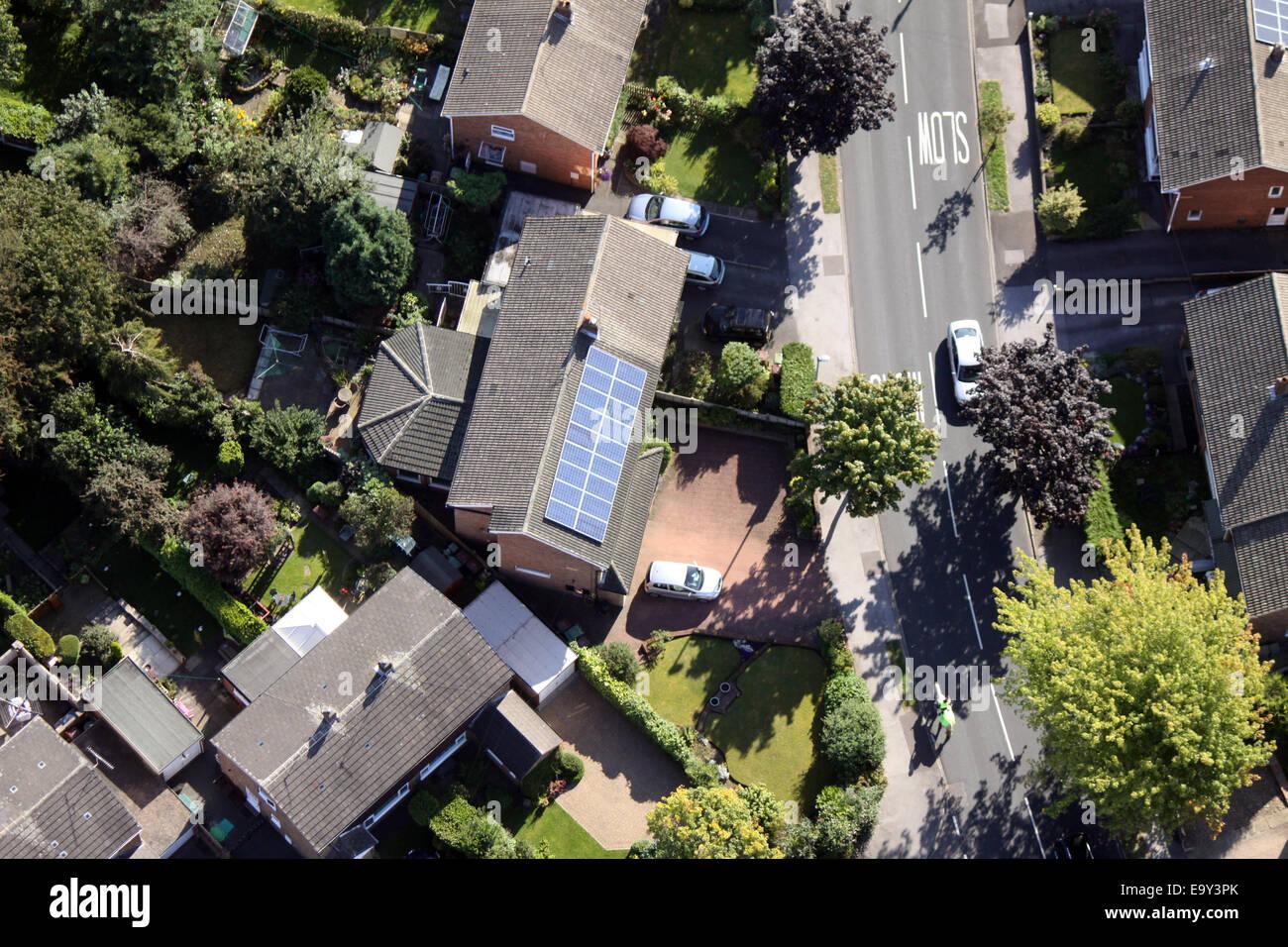 Vista aérea de una cámara interna con paneles solares en el techo, REINO UNIDO Foto de stock