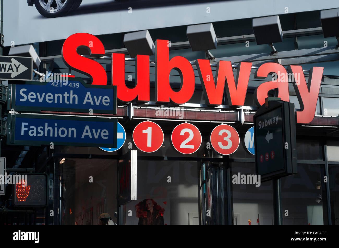 El Metro de Nueva York. Seventh Avenue. La avenida de la moda. Manhattan. Ee.Uu.. Casi treinta millones de visitantes Imagen De Stock