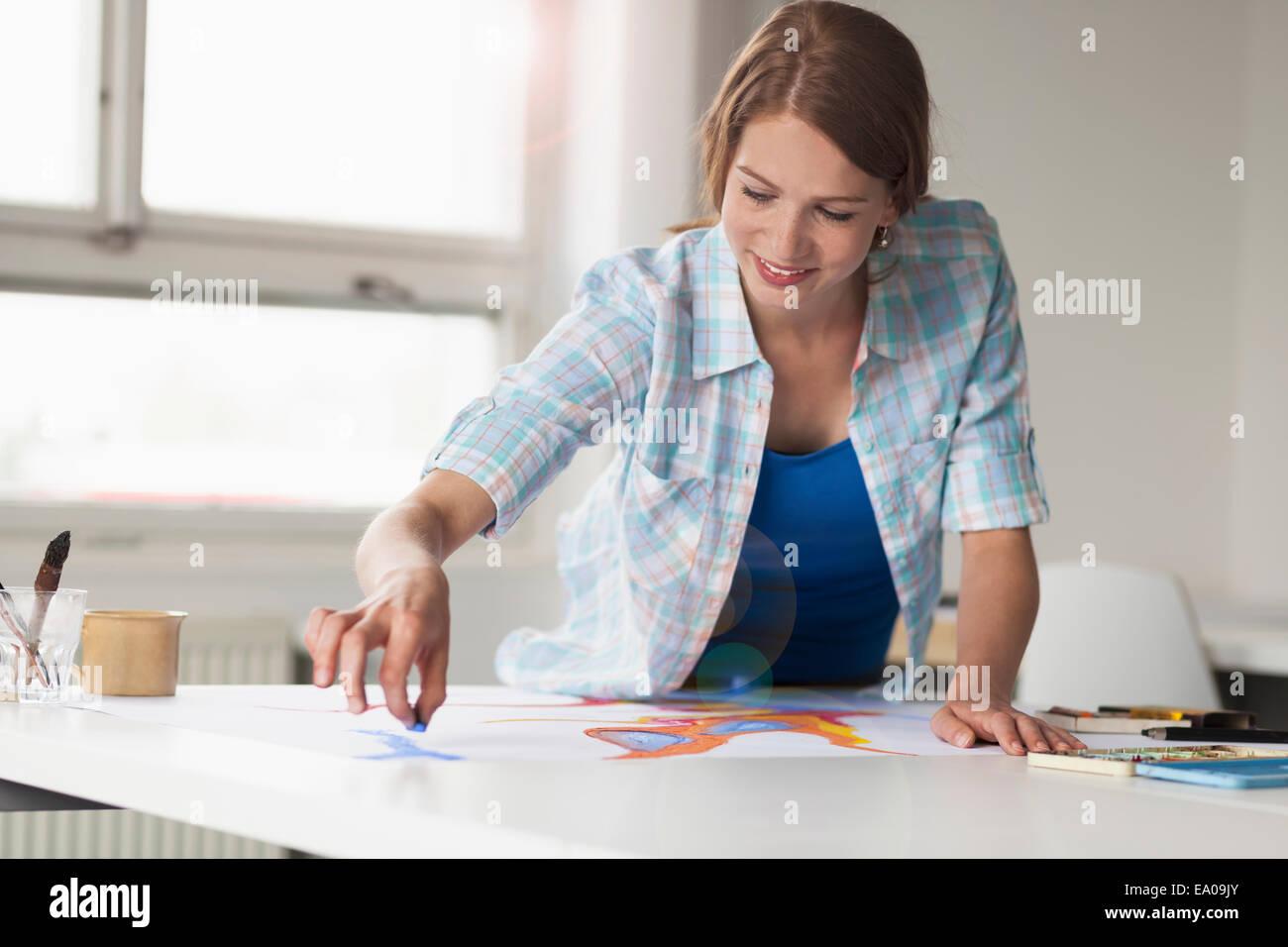 Dibujo del artista femenina Imagen De Stock