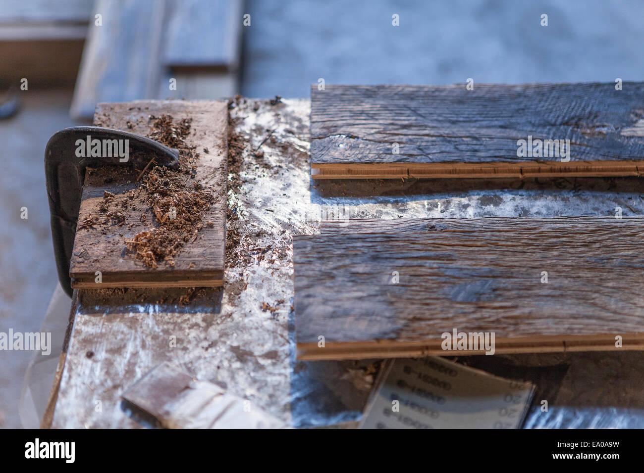 Cerca de los tablones de madera en la fábrica, Jiangsu, China Imagen De Stock