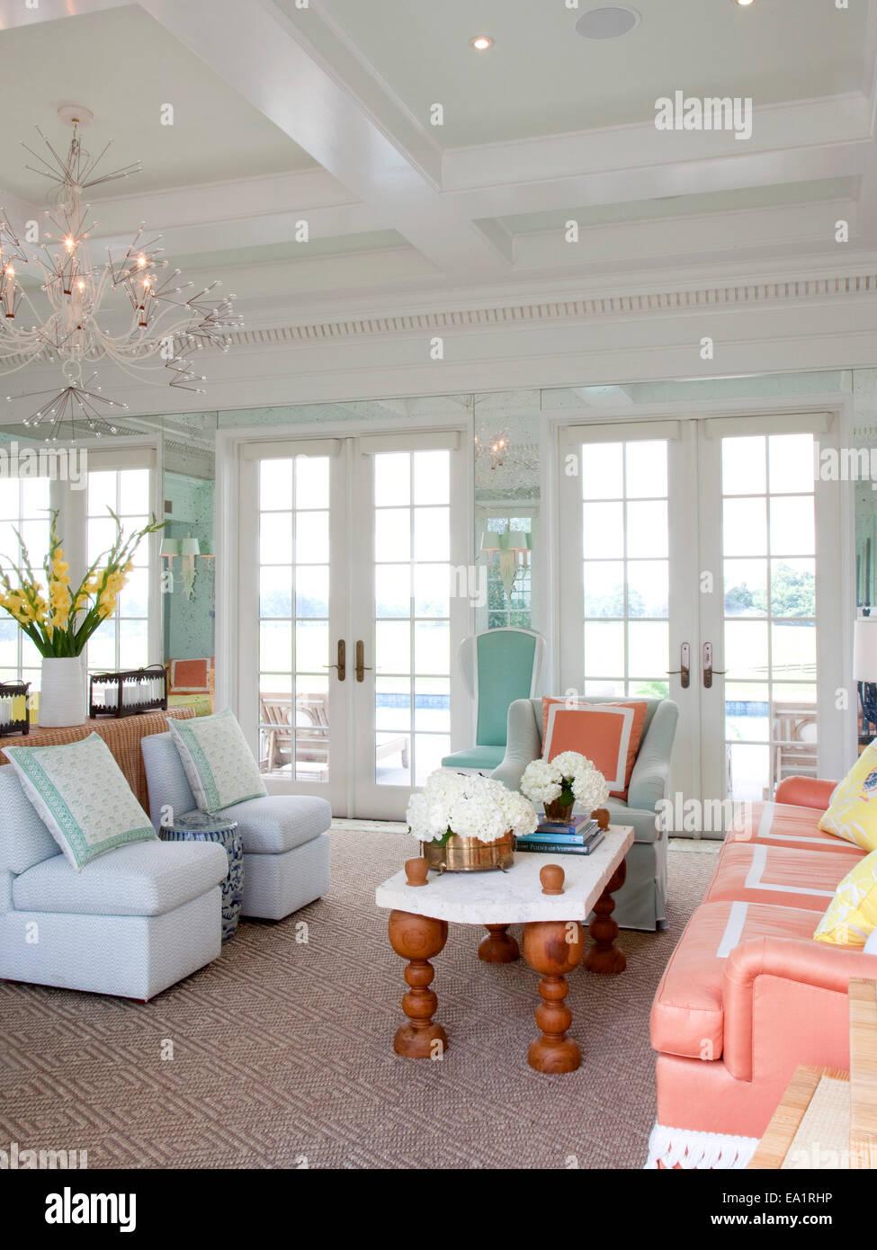 Interior de la casa de huéspedes de verano Imagen De Stock