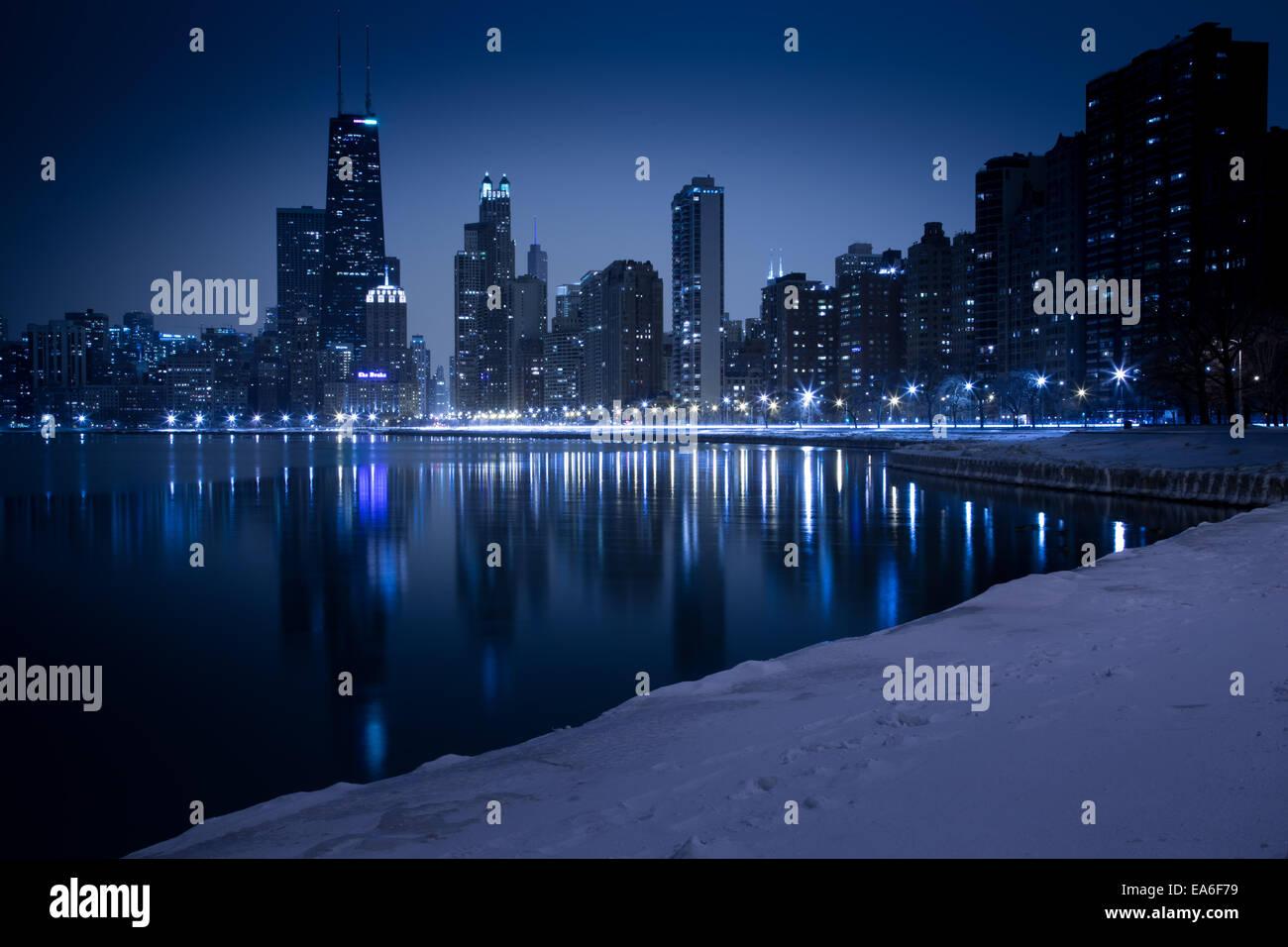 Estados Unidos, Illinois, Chicago, Skyline visto desde North Avenue Beach Imagen De Stock