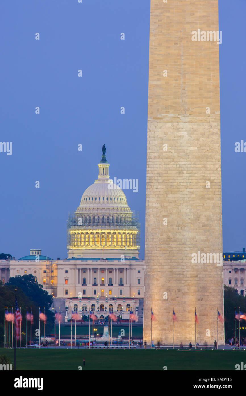 El Monumento a Washington y el Capitolio en Washington, DC. Imagen De Stock