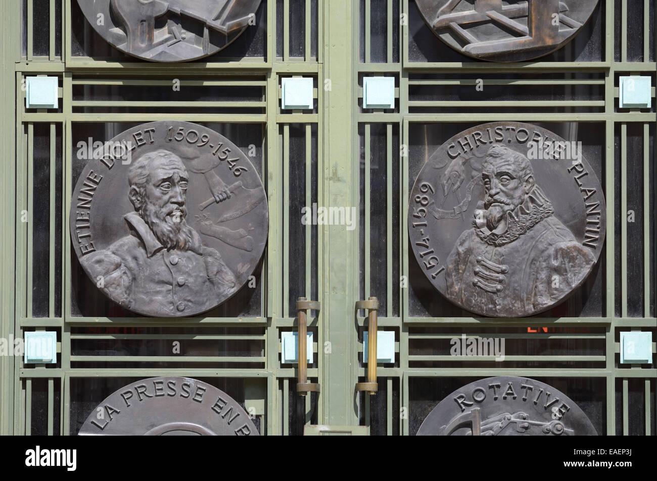 Retratos de impresoras francés Etienne Dolet (1509-1546) y Christophe Plantin (C1520-1589) 30s Art Decó de chapa Foto de stock
