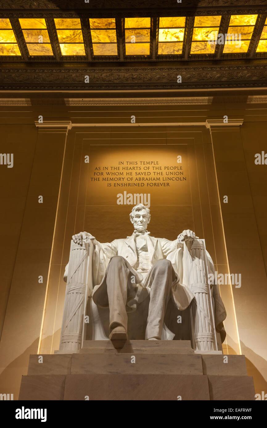 El Lincoln Memorial es un monumento nacional americano construido en honor al 16º Presidente de los Estados Imagen De Stock