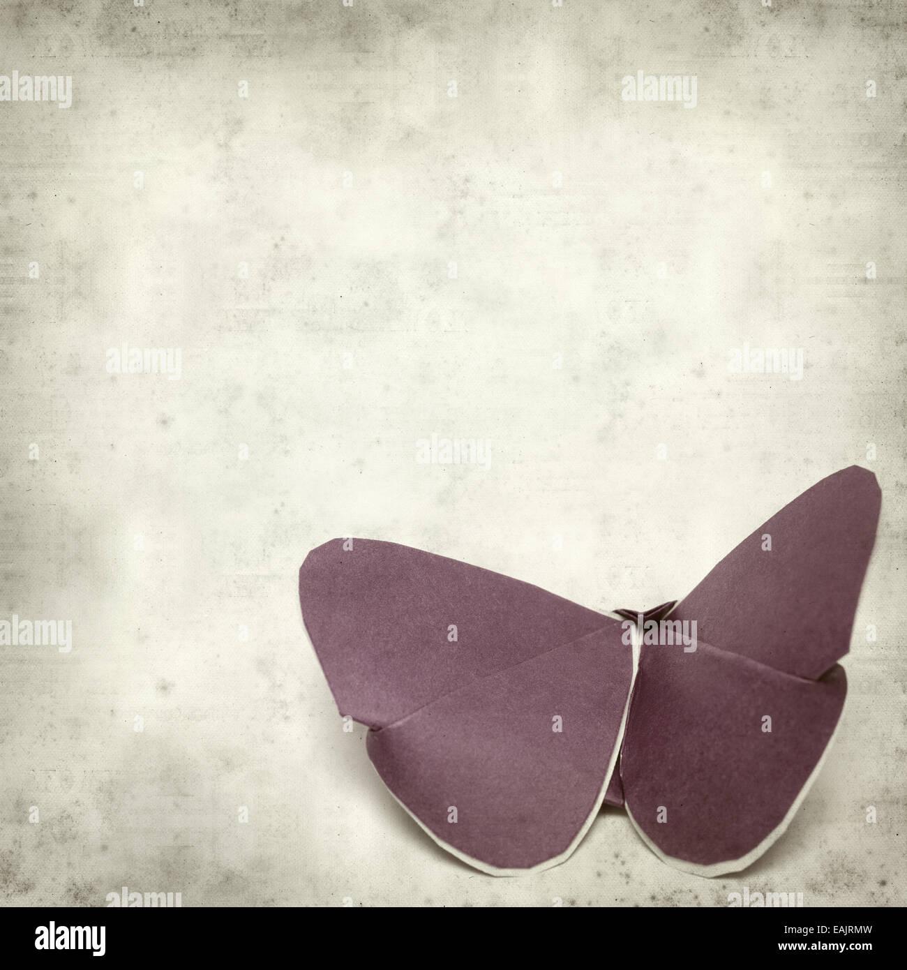 Textura de papel viejo fondo con kirigami butterfly Imagen De Stock