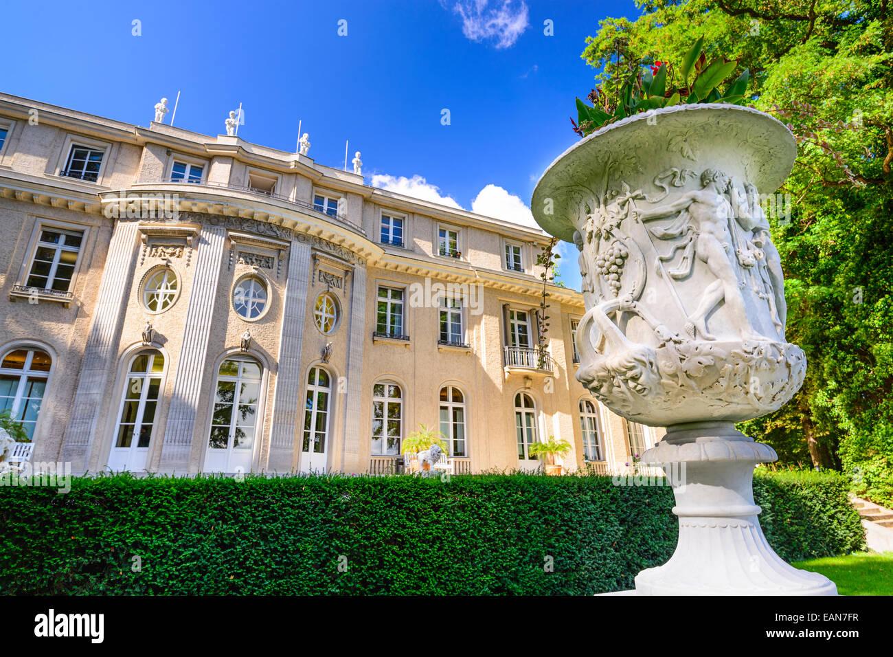 La casa Wannsee. La villa fue utilizado por altos funcionarios del partido nazi como un centro de conferencias y Foto de stock