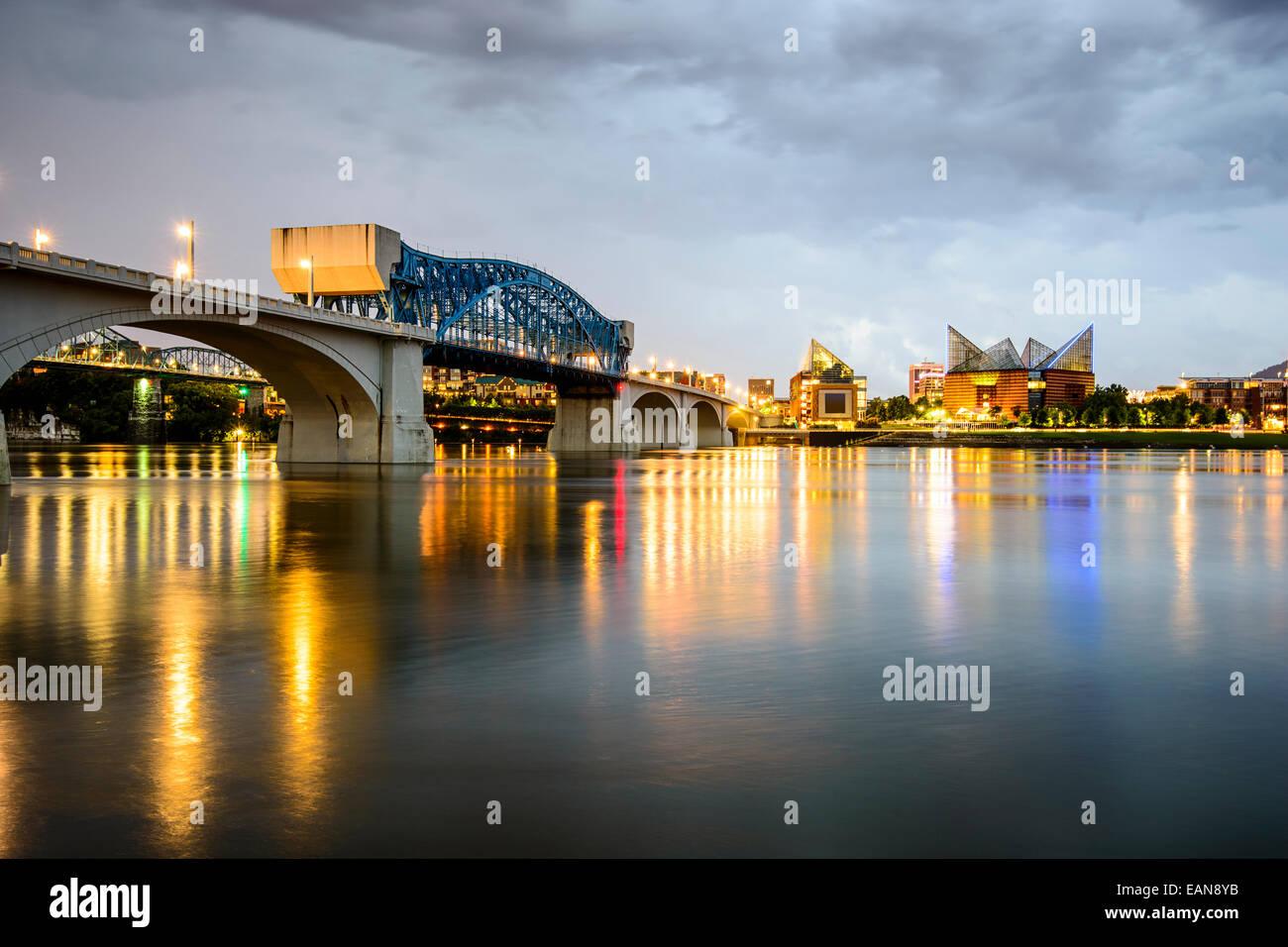 Chattanooga, Tennessee, EE.UU. Perfil de la ciudad al atardecer. Imagen De Stock