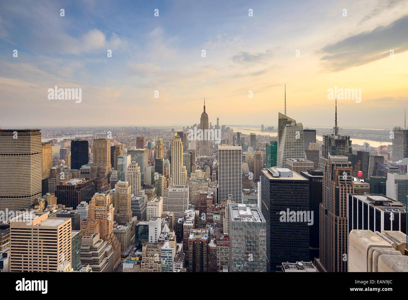 La Ciudad de Nueva York, EE.UU., el horizonte de la ciudad de Midtown Manhattan. Imagen De Stock
