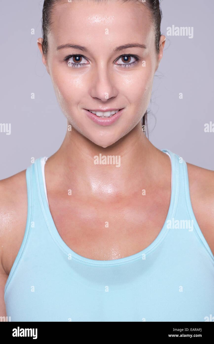 Retrato de una mujer joven y deportivo Imagen De Stock