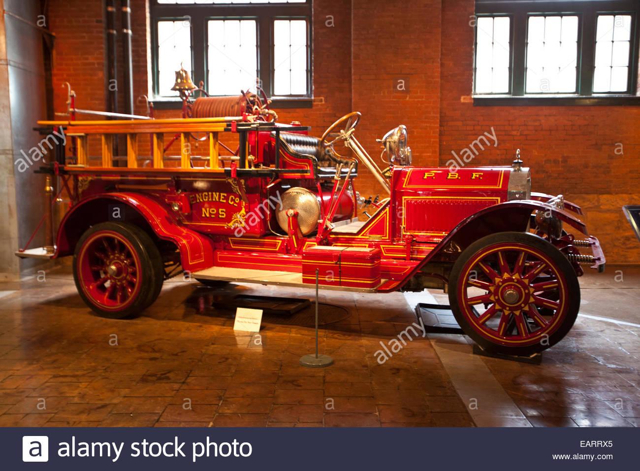 Un vintage de principios del siglo XX motor de fuego. Imagen De Stock