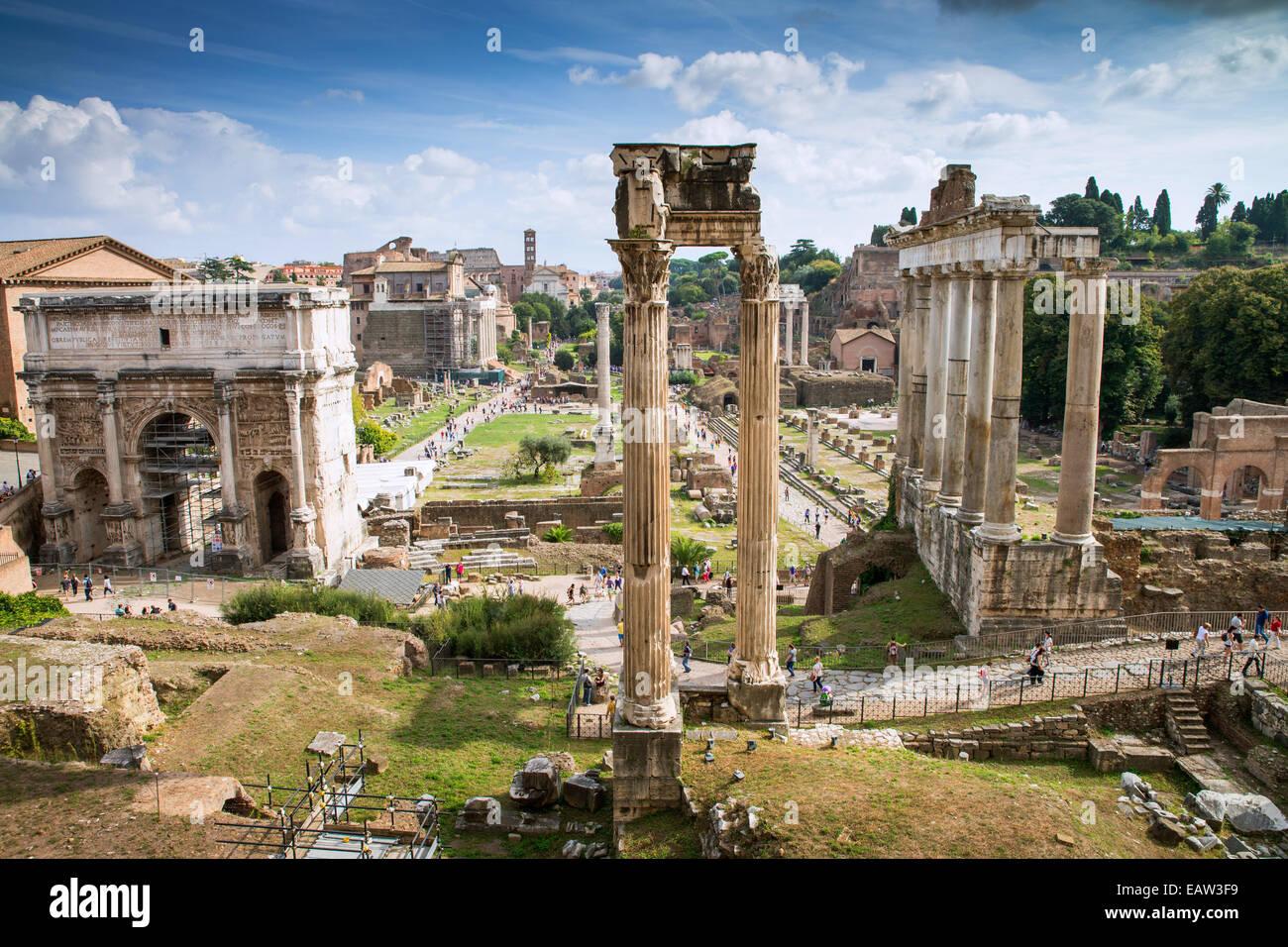 El Foro Romano (Forum Romanum), Roma, Lazio, Italia, Europa Imagen De Stock