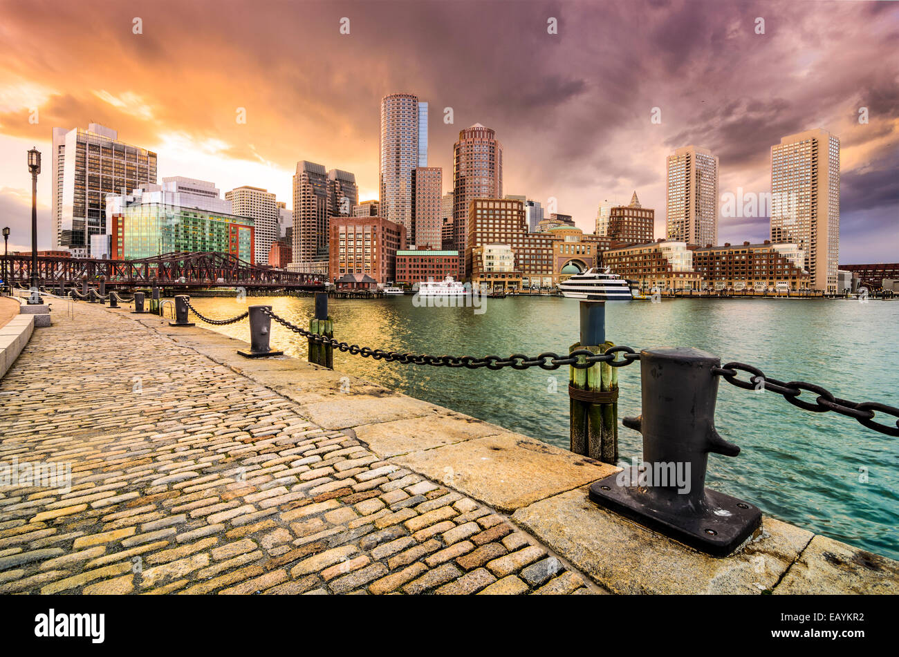 Boston, Massachusetts, EE.UU Skyline en Fan Pier. Foto de stock