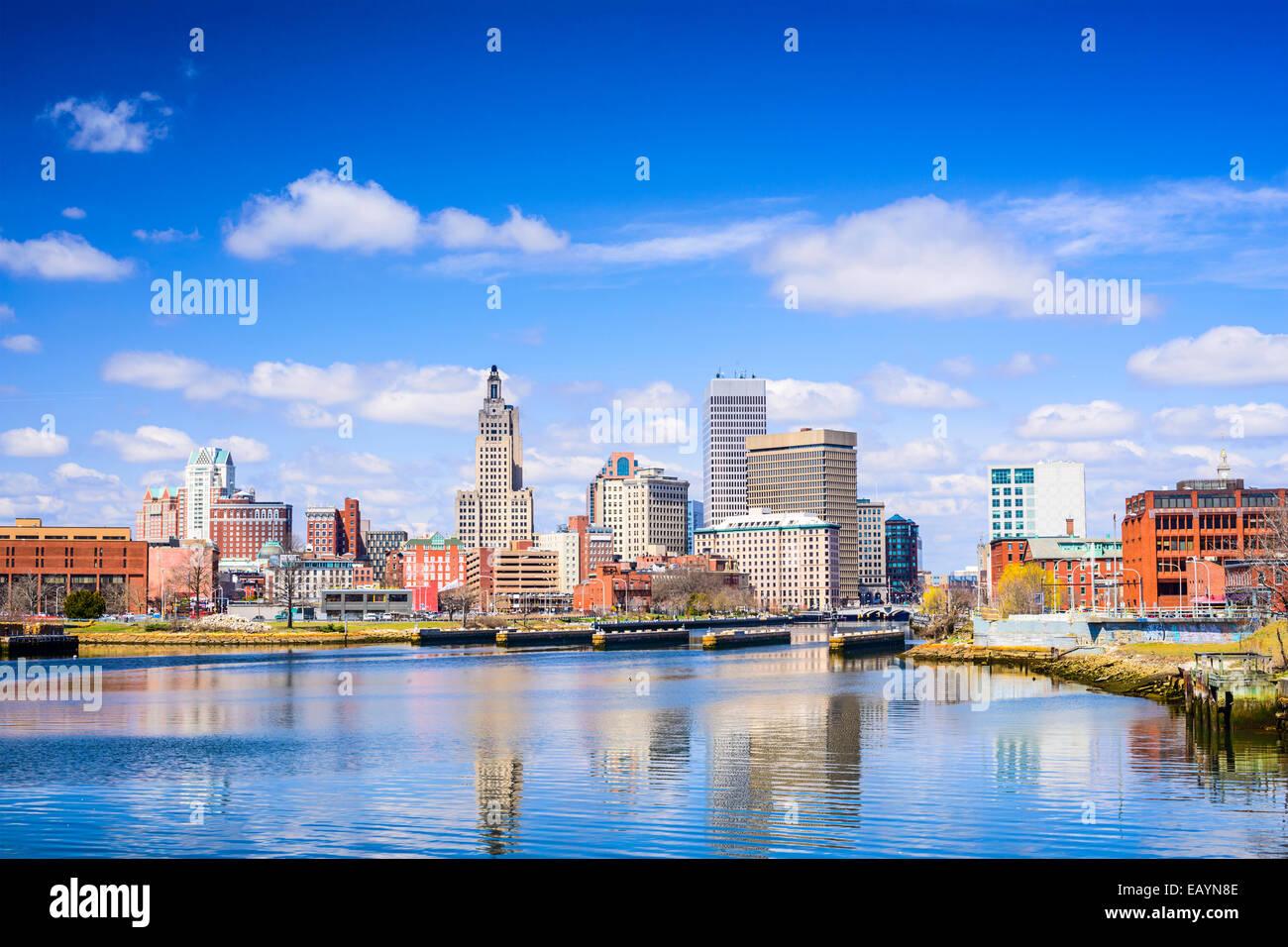 Providence, Rhode Island, el horizonte de la ciudad sobre el río. Foto de stock