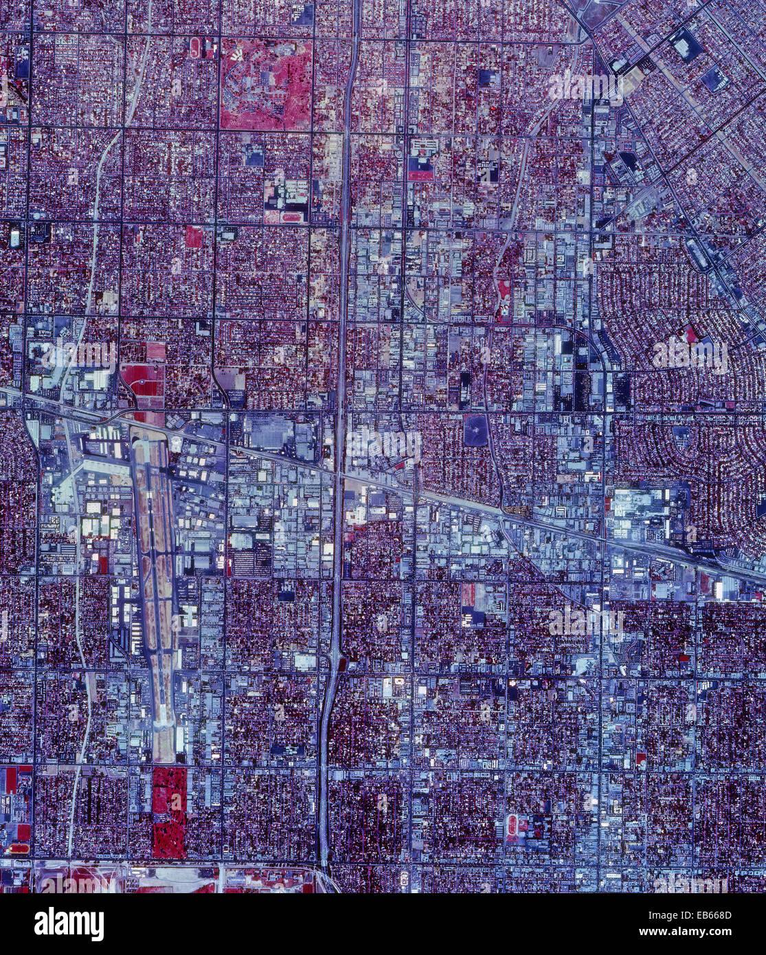 Histórica fotografía aérea infrarroja de Van Nuys, California, 1989 Imagen De Stock