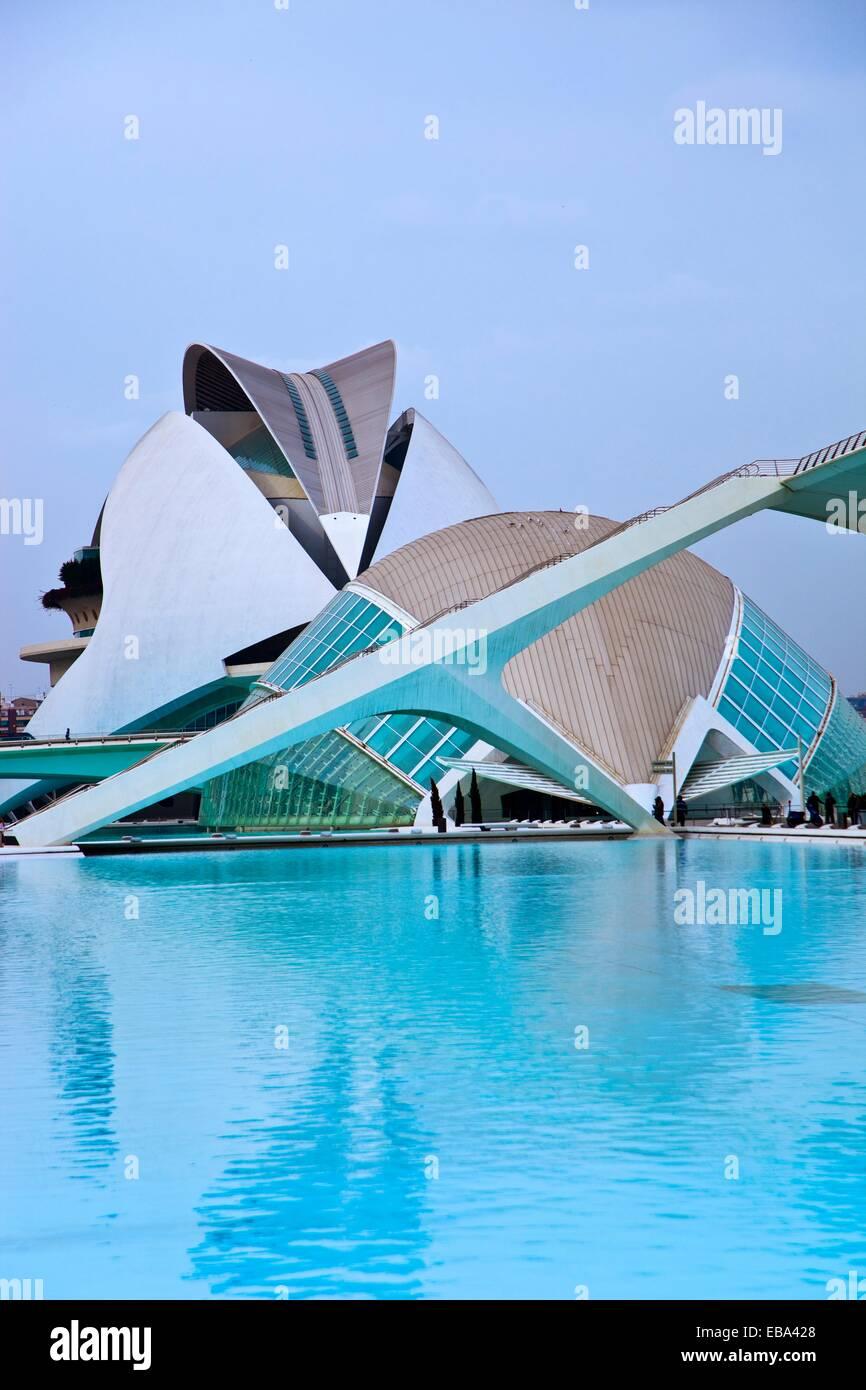 Arquitecto arquitectura arte fondos del cuerpo de agua construido estructura Cac Calatrava city Ciudad de las Artes Imagen De Stock
