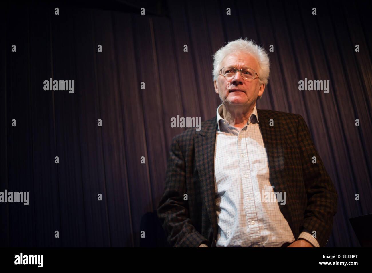 Gales Aberystwyth UK, Sábado 29 de noviembre de 2014 Homero SYKES veterano reportero en la lente 10 festival Imagen De Stock