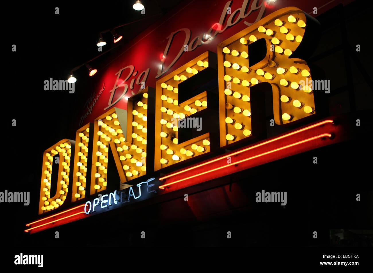 A jazzy signo de un tradicional American Diner en Manhattan, Nueva York. Imagen De Stock