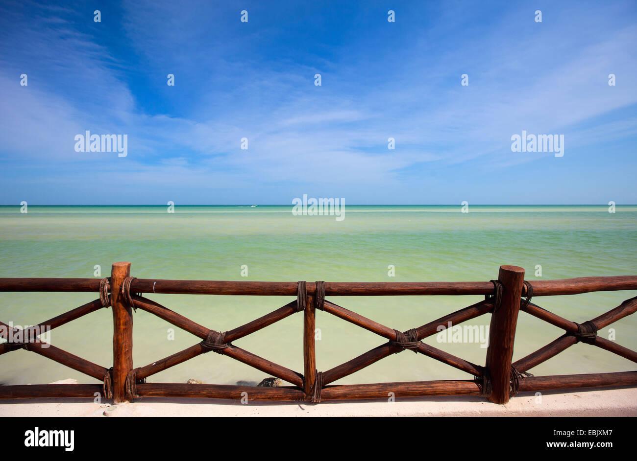 Tropical Impresionante Vista Al Mar Desde La Terraza De