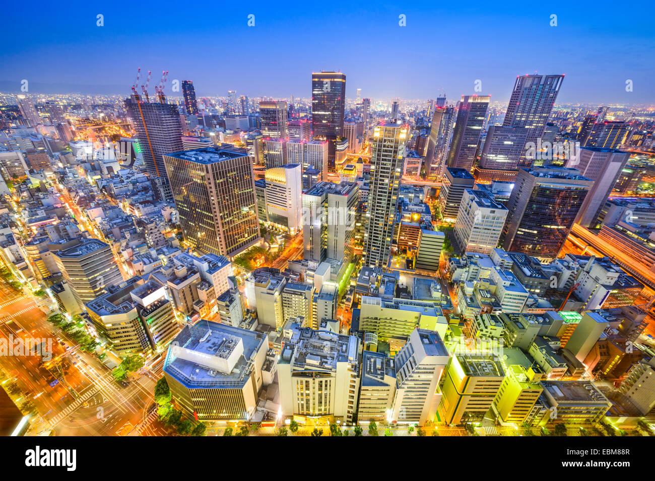 Osaka, Japón vista aérea de la ciudad en el distrito de Umeda. Imagen De Stock