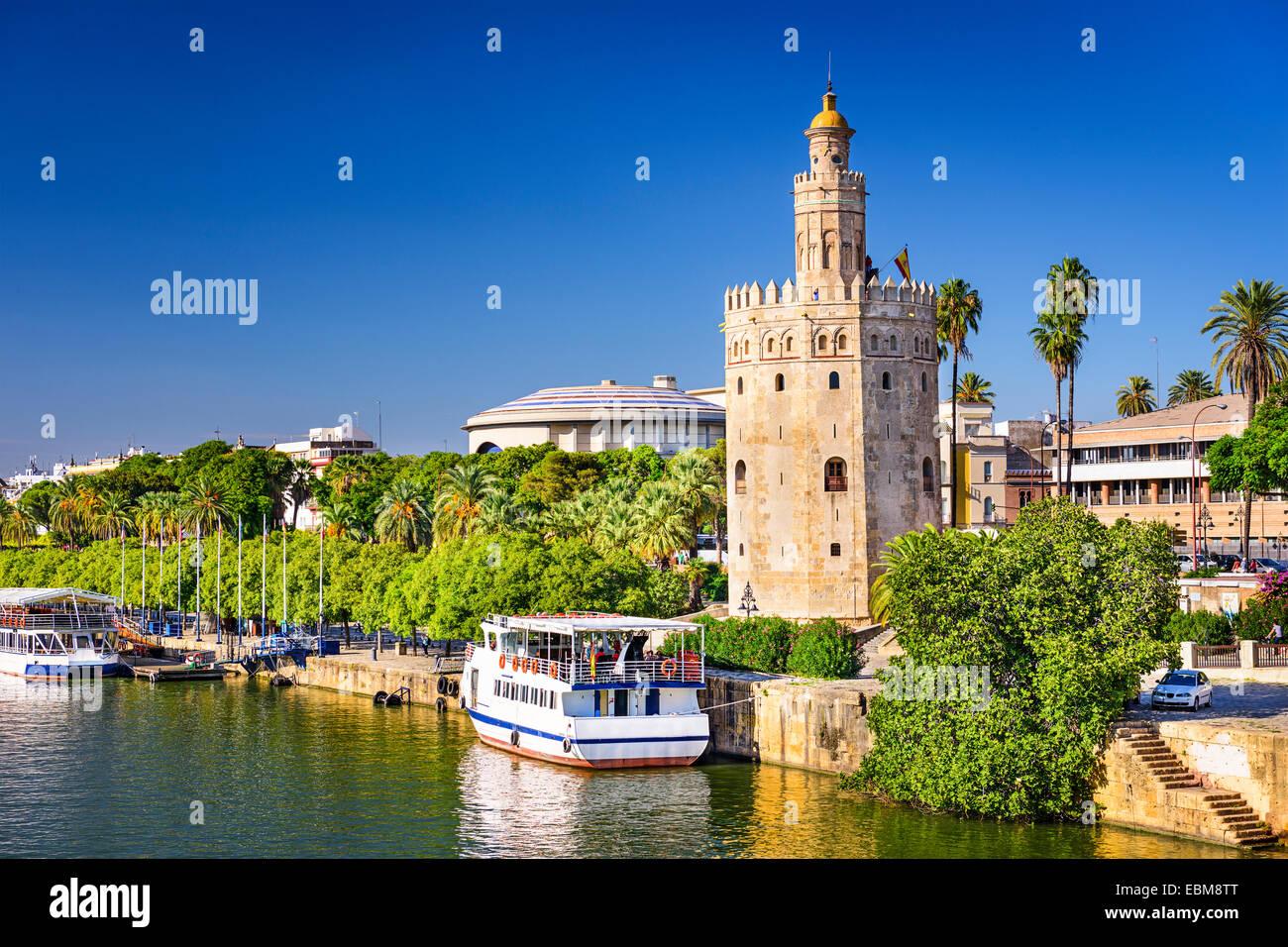 Torre del Oro en Sevilla, España. Imagen De Stock