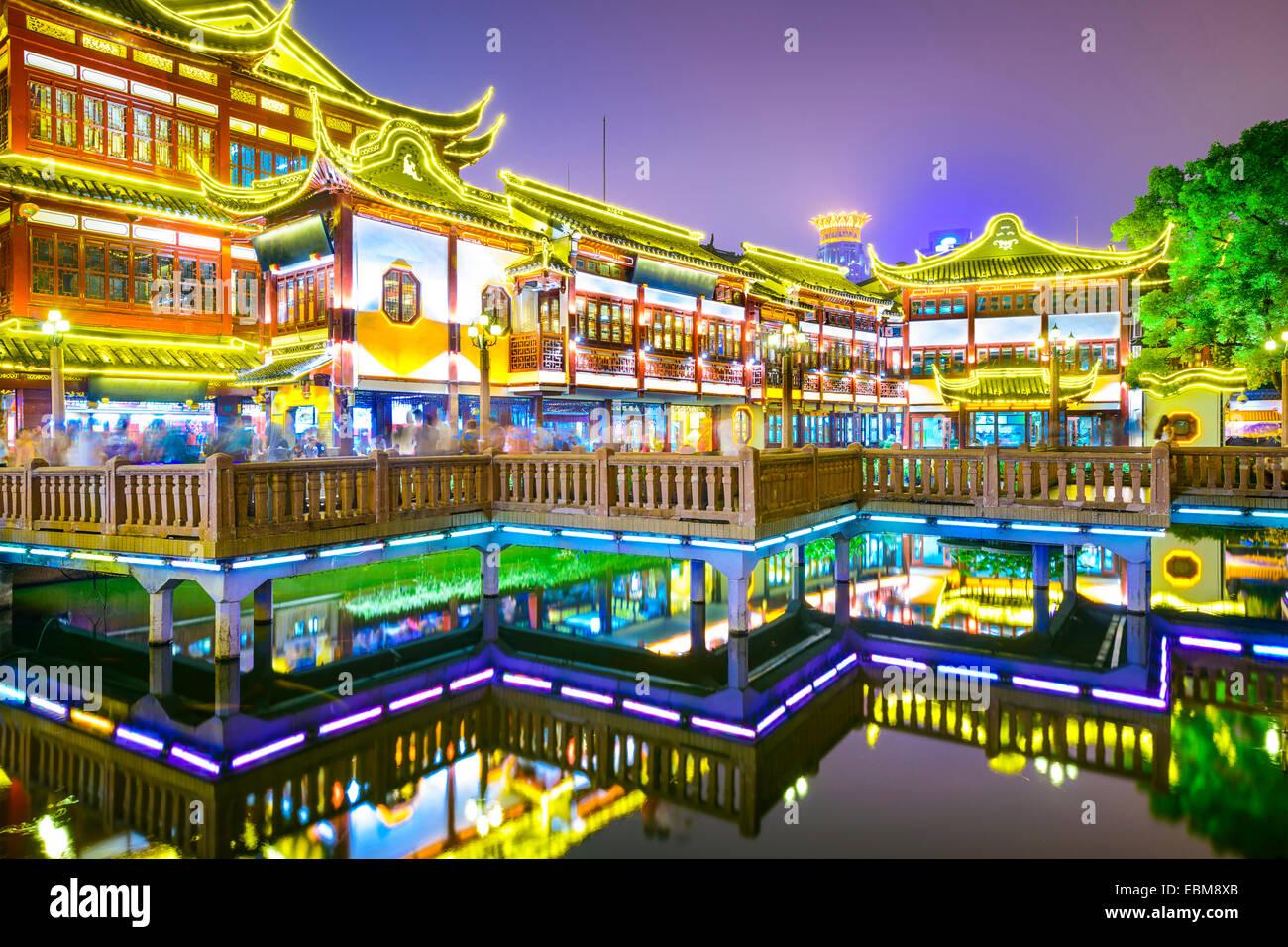 Shanghai, China, en el distrito de los Jardines Yuyuan. Imagen De Stock