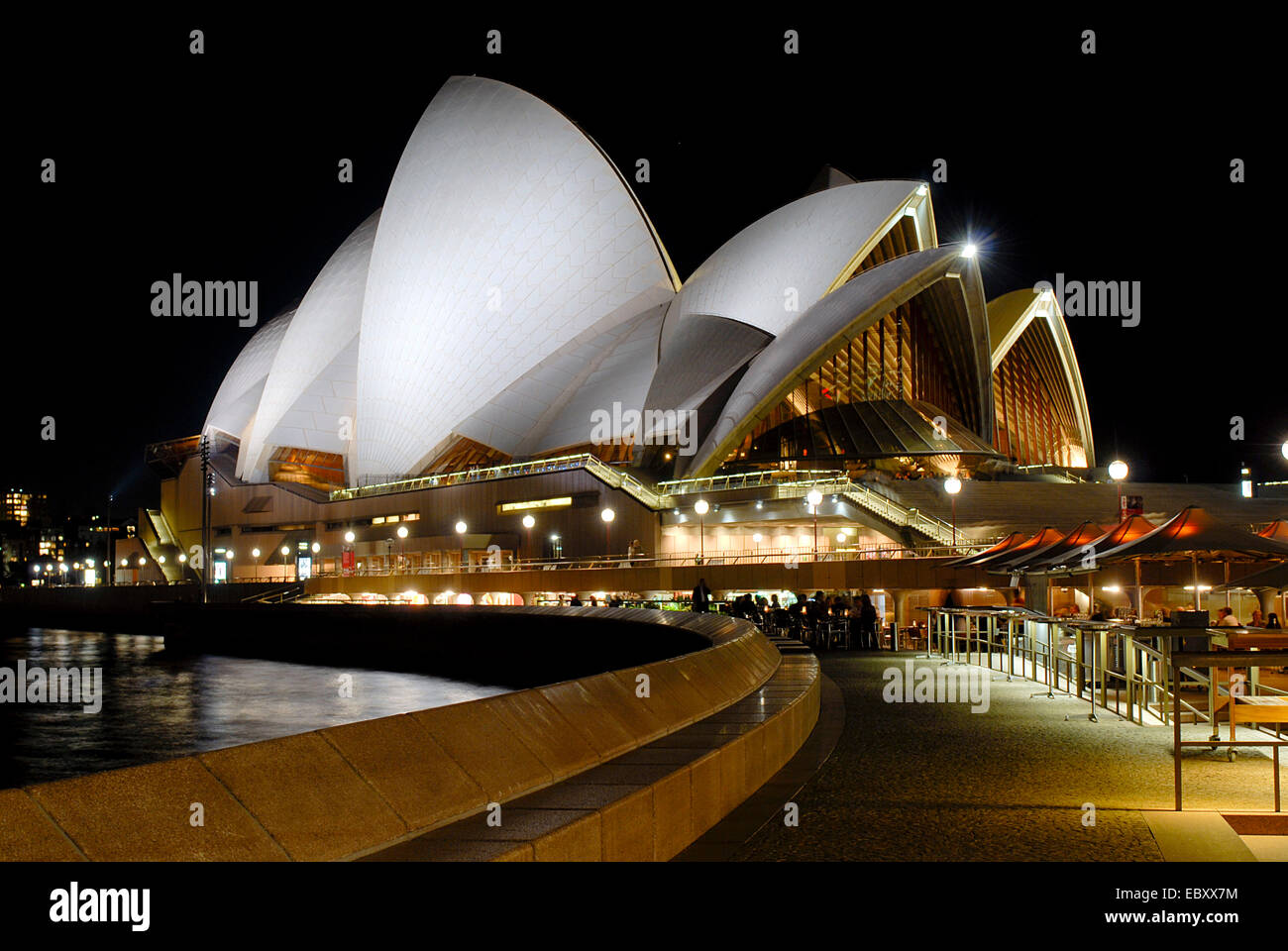 Por la noche, la Casa de Ópera de Sidney, Australia, New South Wales, Sydney Imagen De Stock