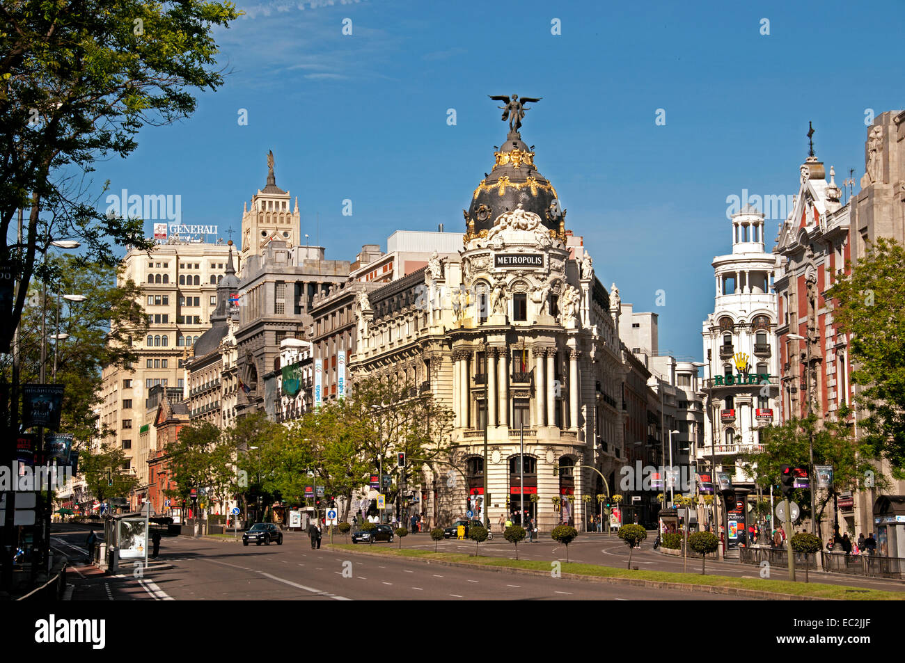 Metropolis, esquina con la Calle Alcalá y la Gran Vía. Madrid España Neo Baroque arquitectos Jules Imagen De Stock