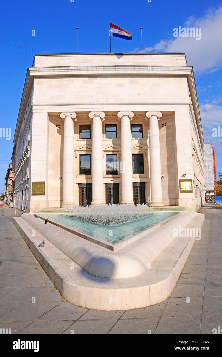 Zagreb, Croacia. El Banco Nacional de Croacia (Hrvatska Narodna Banka). Foto de stock