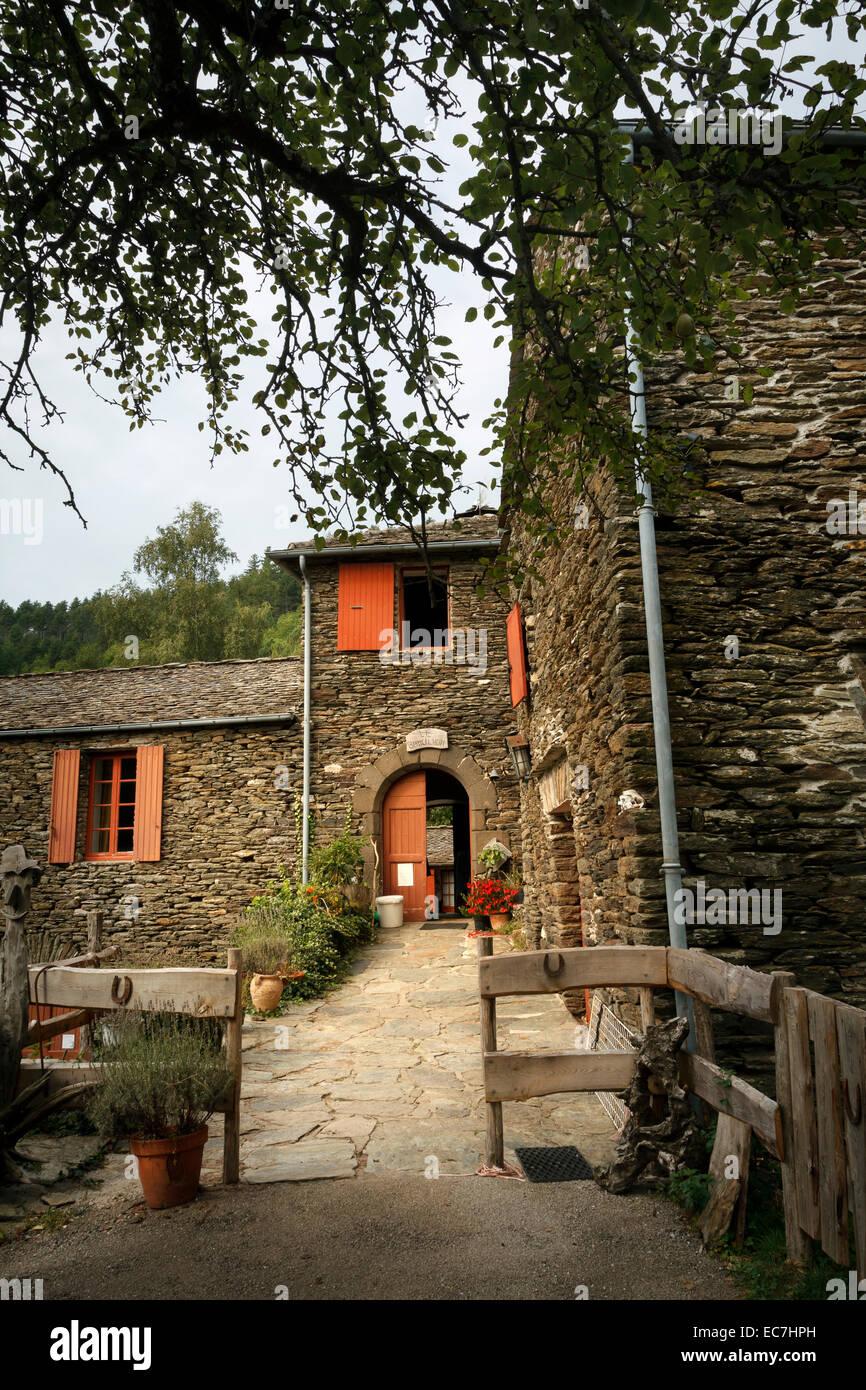 Casa francesa de esquisto cevennes francia Imagen De Stock