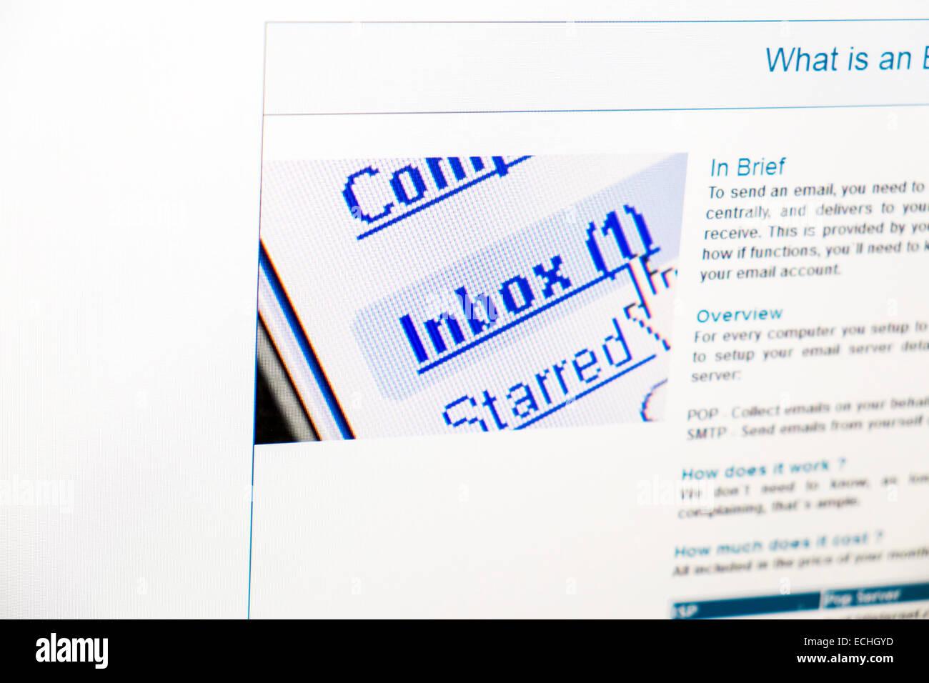 Mensaje de correo electrónico de la bandeja de entrada de correo web en línea de Internet haga clic en ver equipo Foto de stock
