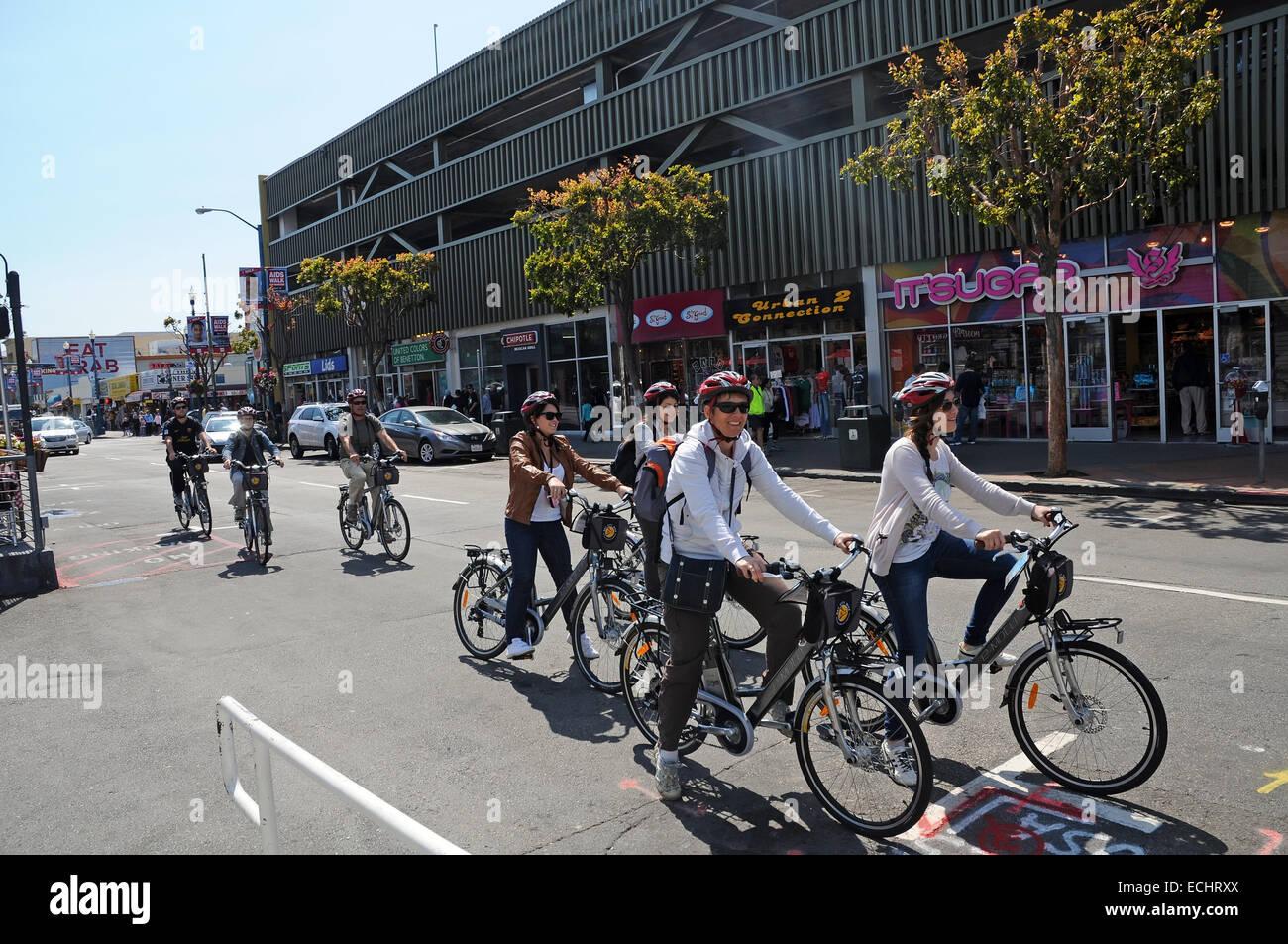 Excursión en bicicleta en las calles de San Francisco, California Imagen De Stock