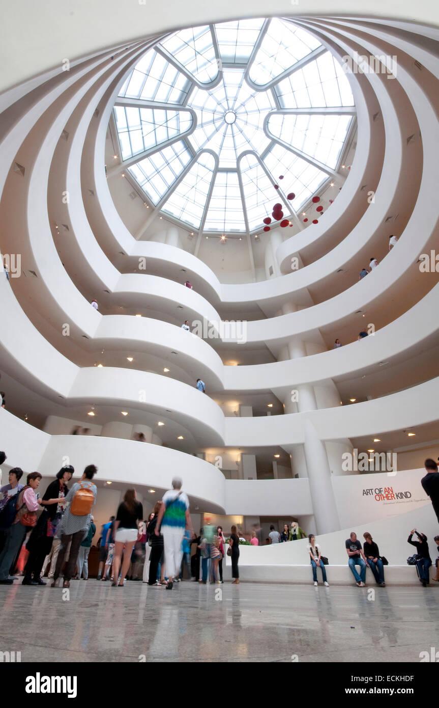 apodo puesto Memorándum  Ee.Uu., la ciudad de Nueva York, el Museo Guggenheim de Frank Lloyd Wright,  vista interior Fotografía de stock - Alamy