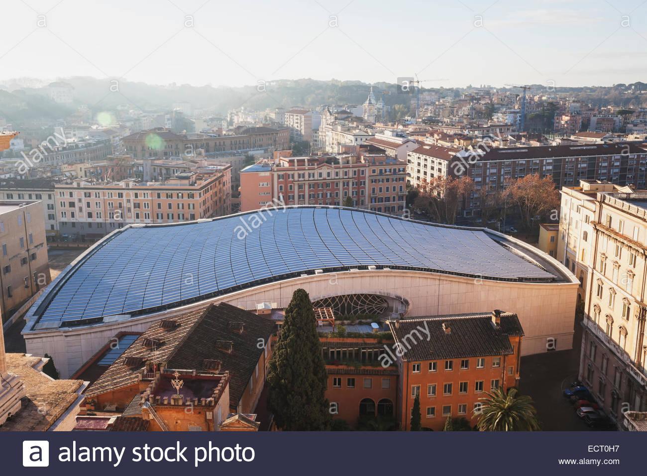 Italia Roma paneles solares en la audiencia papal hall Imagen De Stock