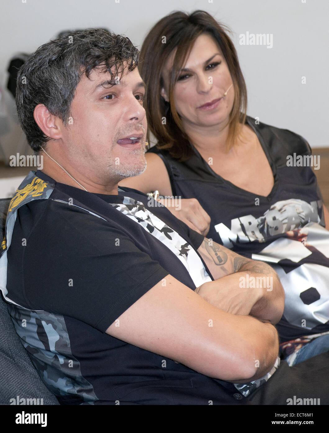 Alejandro Sanz Y Su Esposa Raquel Perera El Lanzamiento De La Nueva