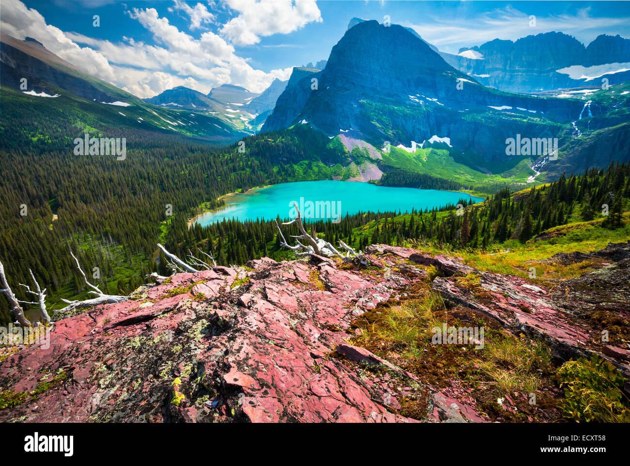 Grinnell Lake está ubicado en el Parque Nacional de Los Glaciares, en la U. S. el estado de Montana. Imagen De Stock