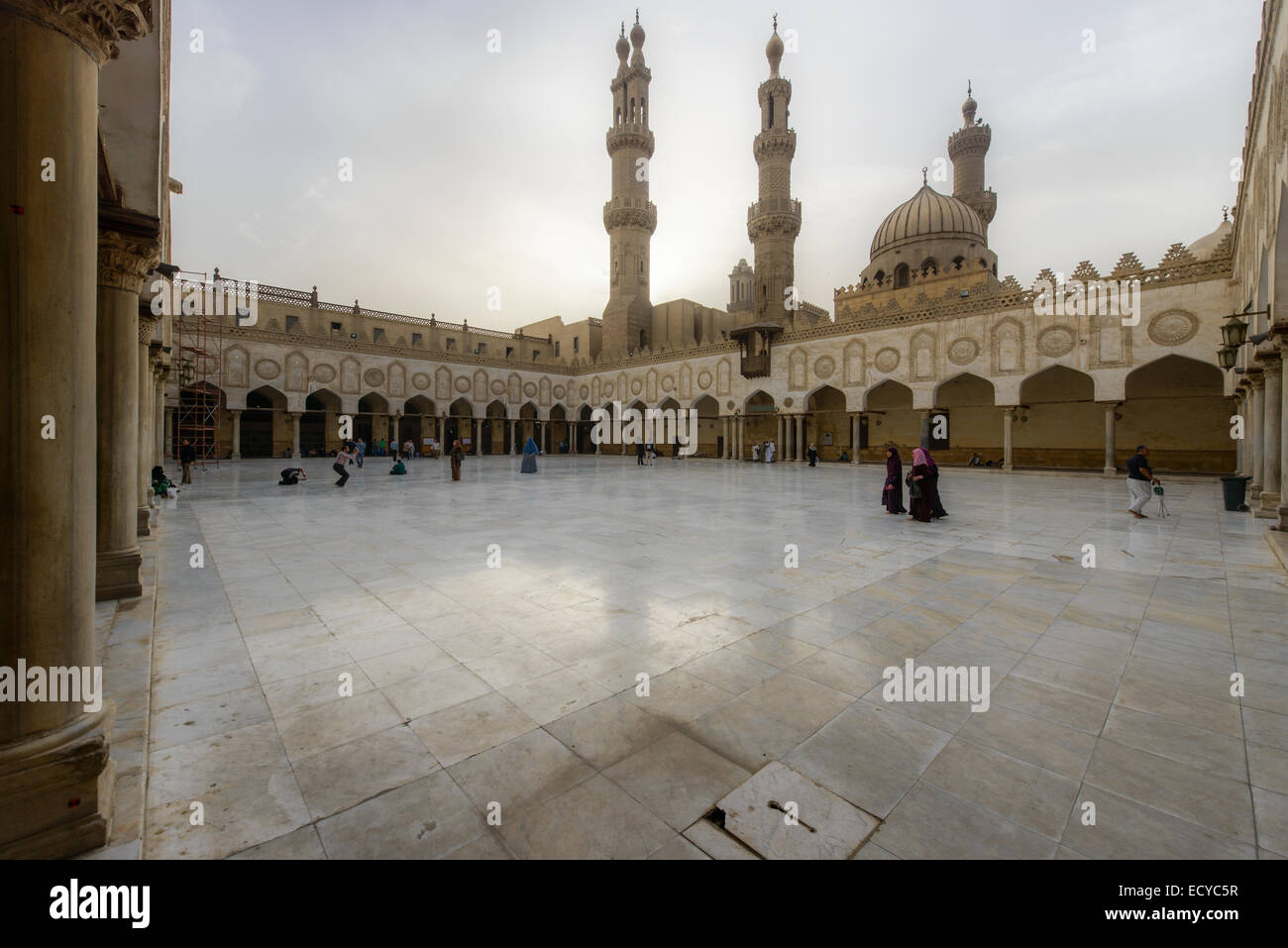 Mezquita de Al-Azhar de El Cairo islámico, Egipto Imagen De Stock