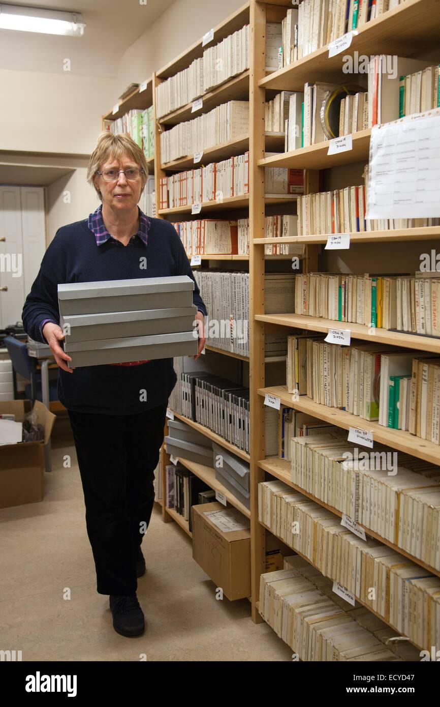 Antiguos archivos de sonido de grabación en cinta y disco, almacenados en el castillo de Clitheroe, Lancashire, Imagen De Stock