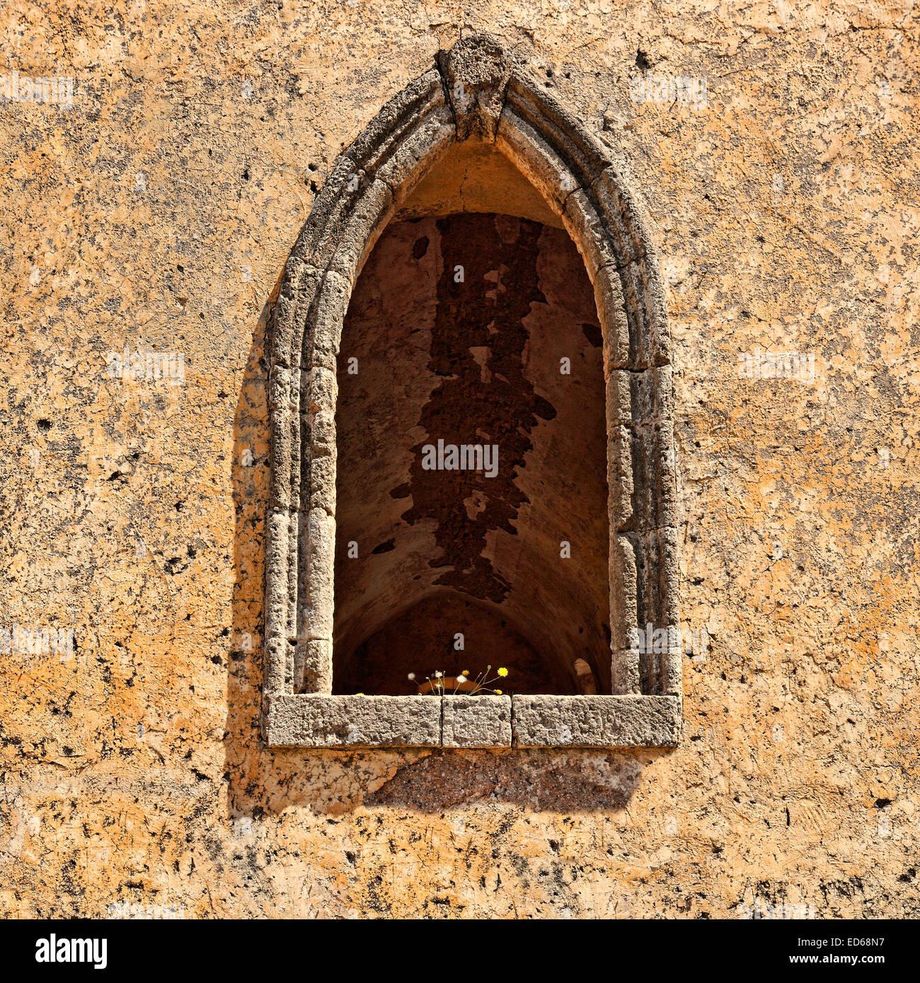 Una vieja ventana en Kato Chora a Kythera Island, Grecia Imagen De Stock