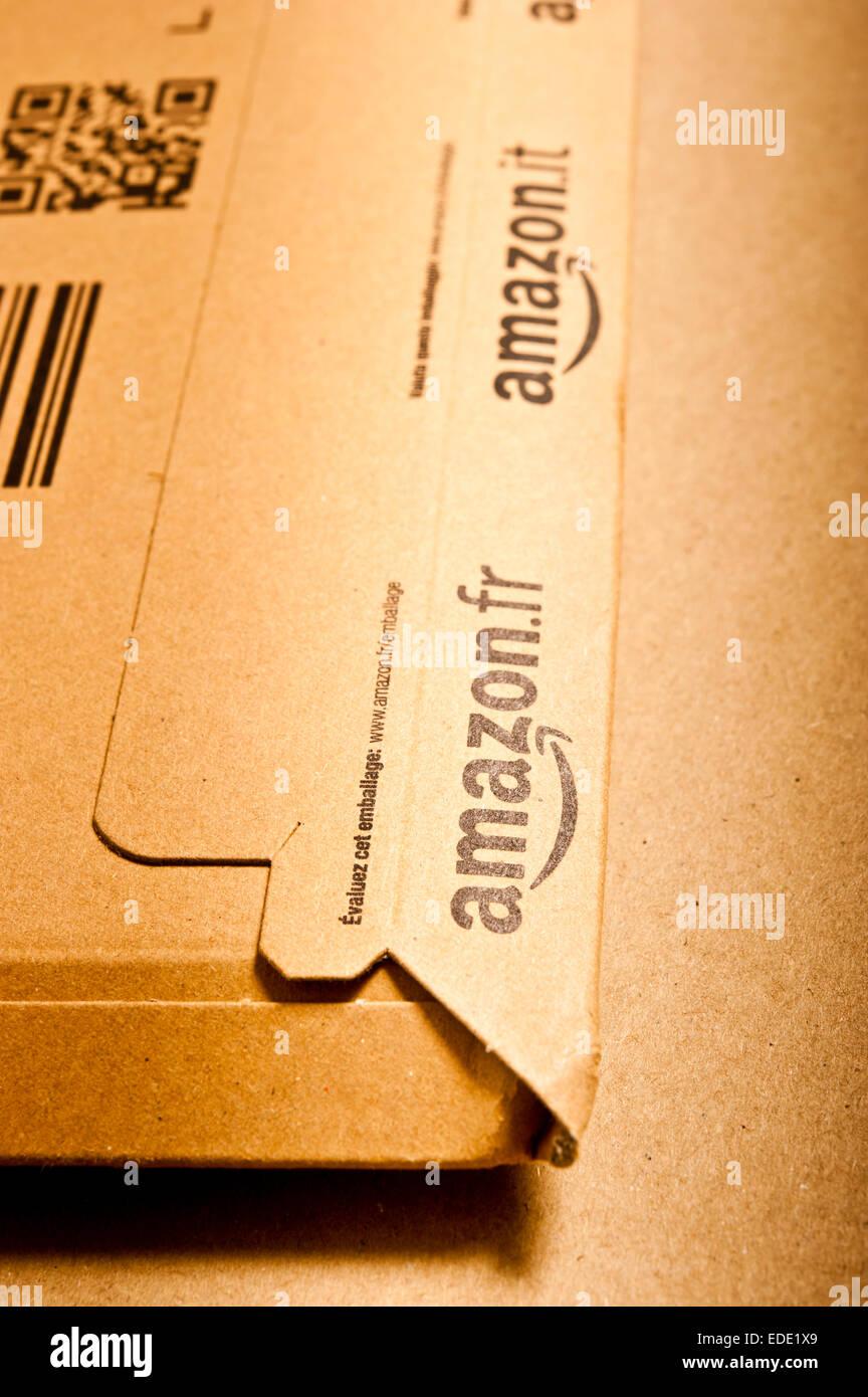 Paquete de cartón de Amazon Foto de stock