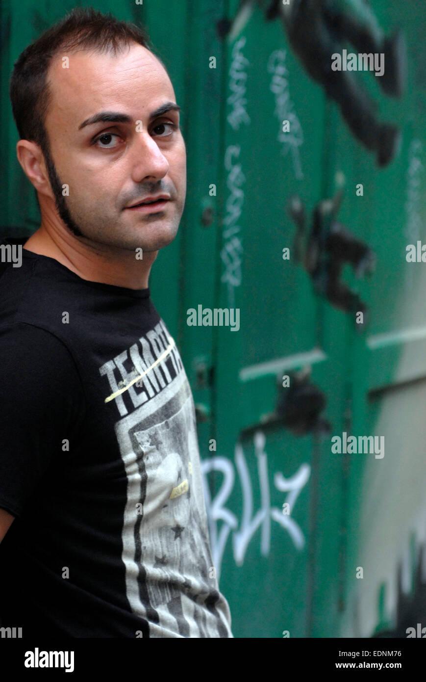 Retrato de Oscar Gual, escritor español y autor, en Barcelona Imagen De Stock