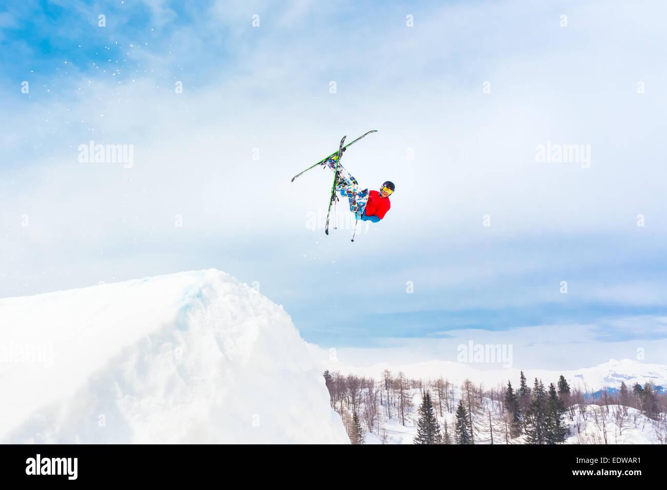 Esquiador de estilo libre. Imagen De Stock