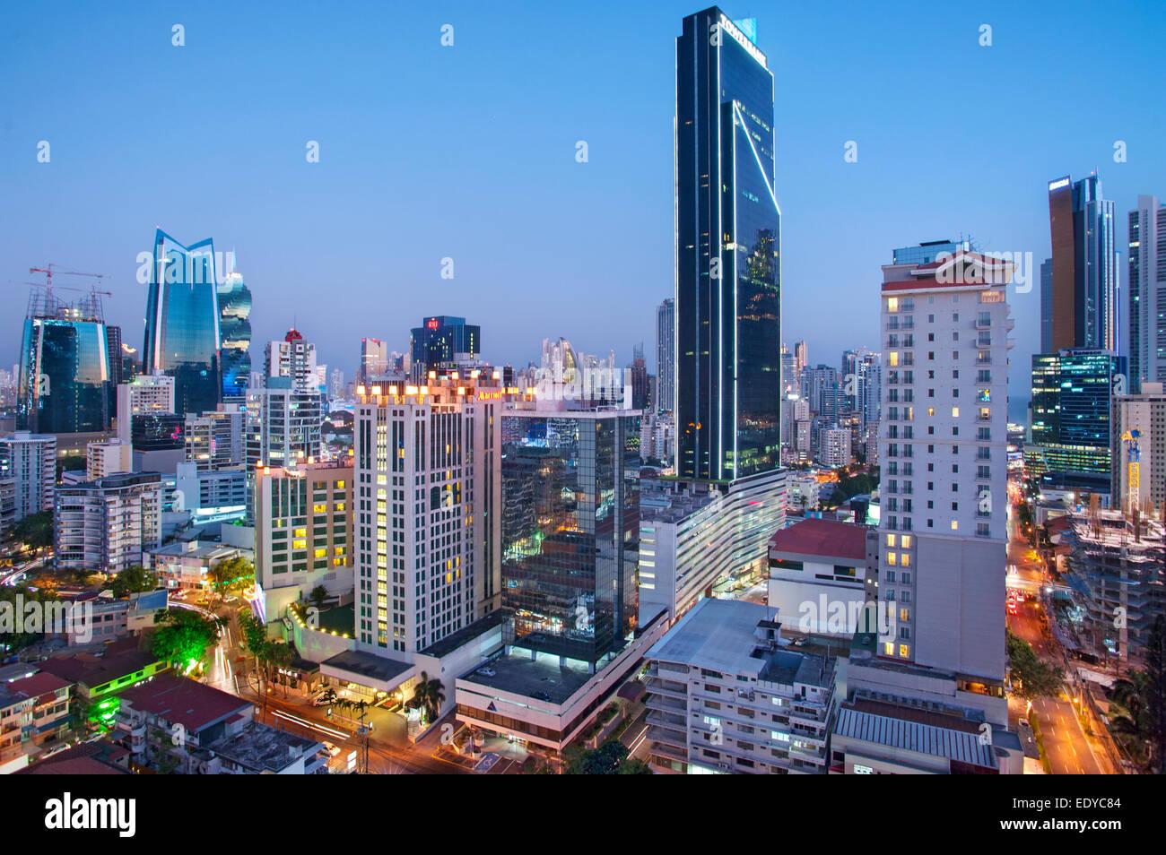 El horizonte de la Ciudad de Panamá, Panamá Foto de stock